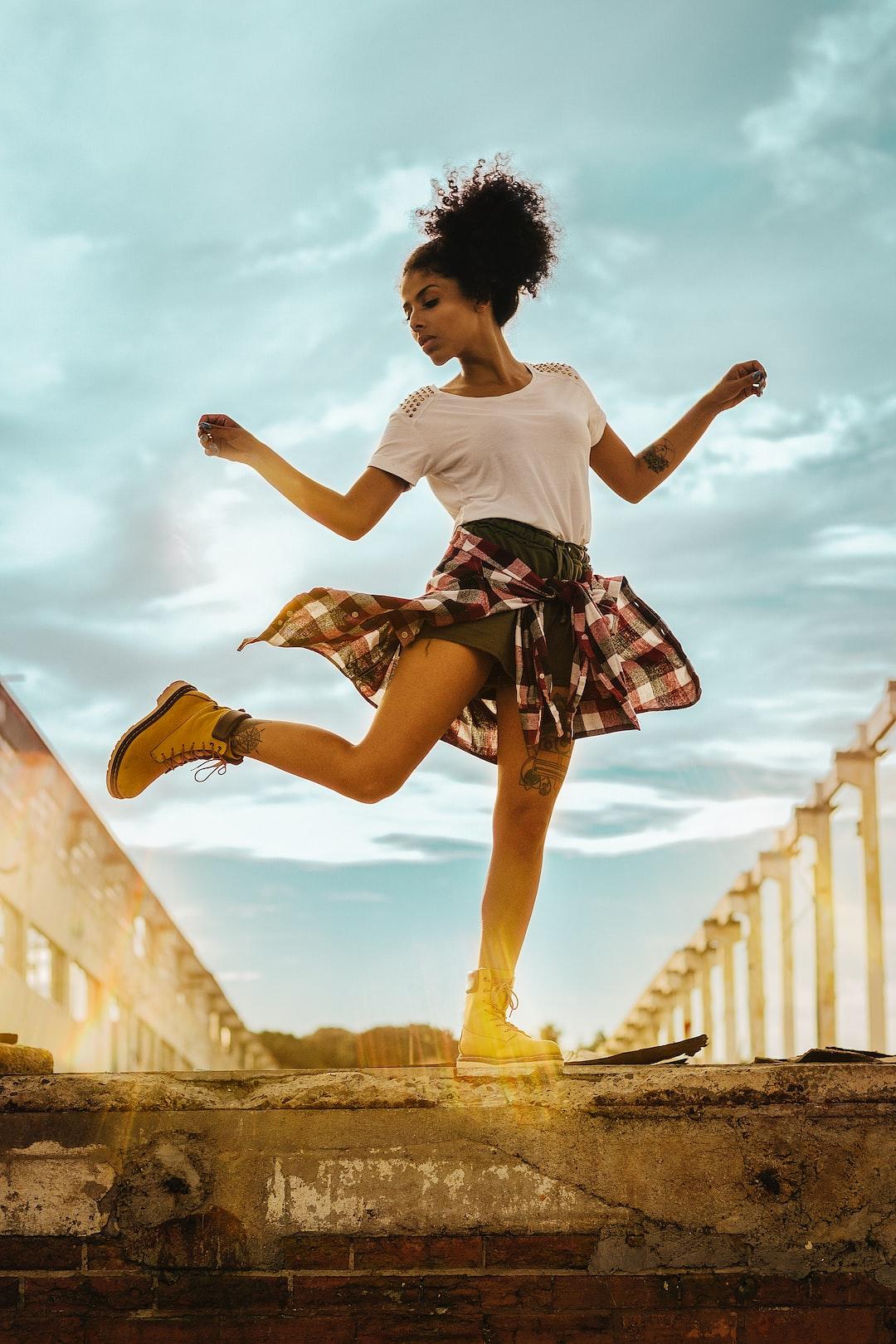 Jeune fille danse