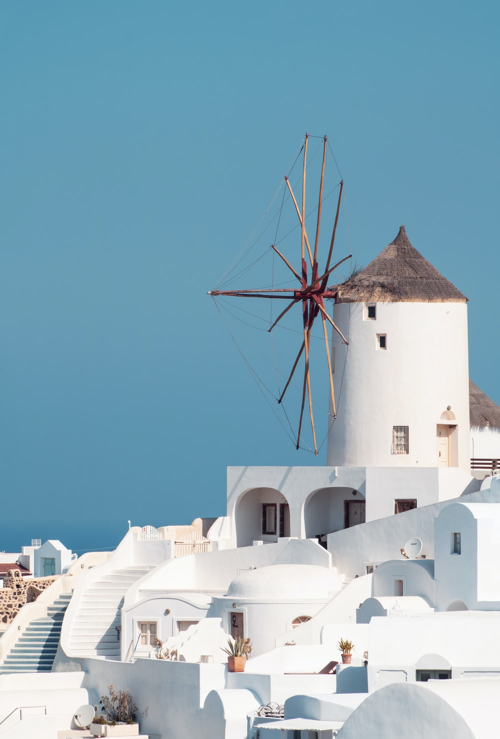 brown and white windmill