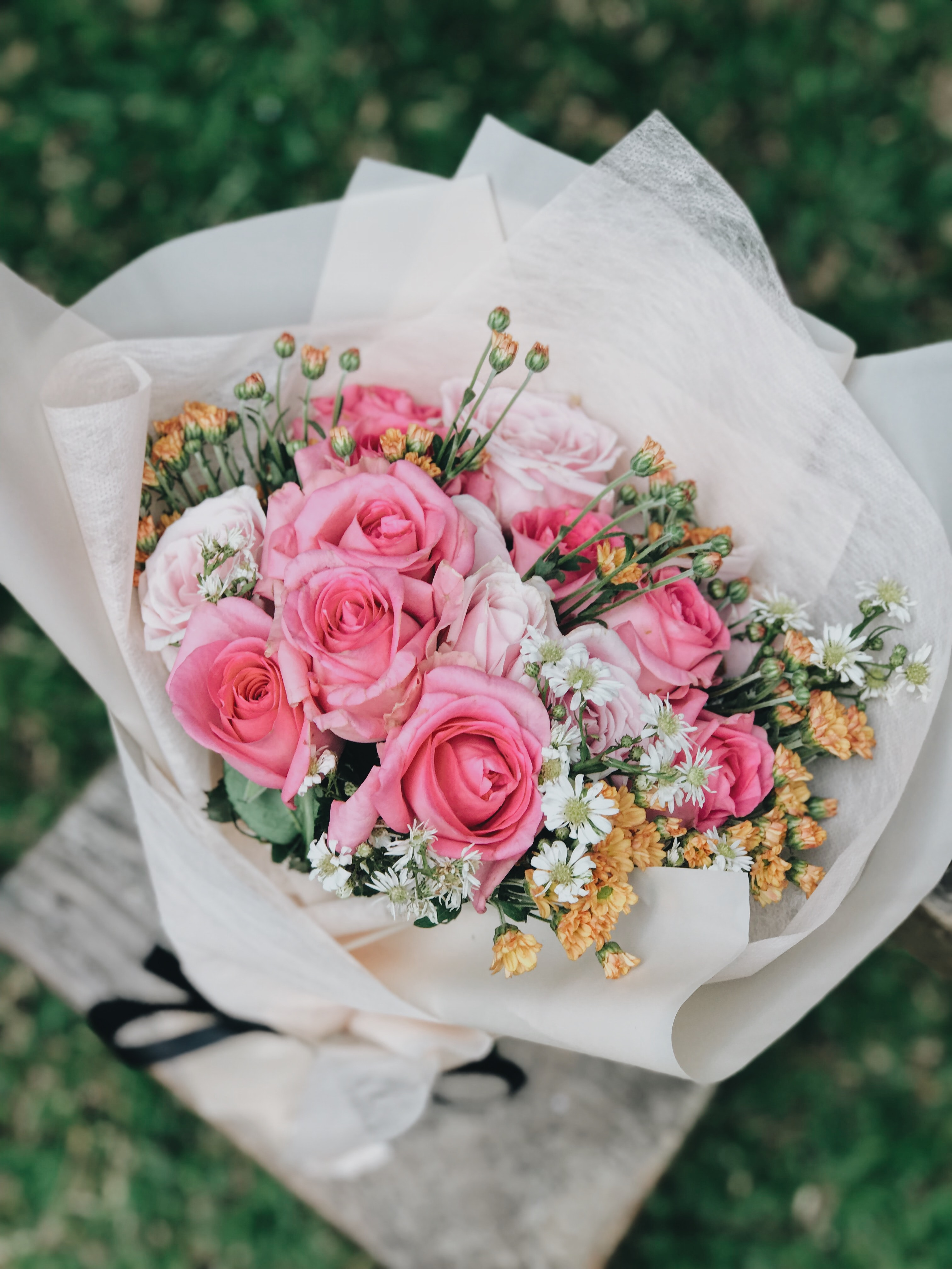 Pink And White Rose Bouquet Photo Free Flower Image On Unsplash