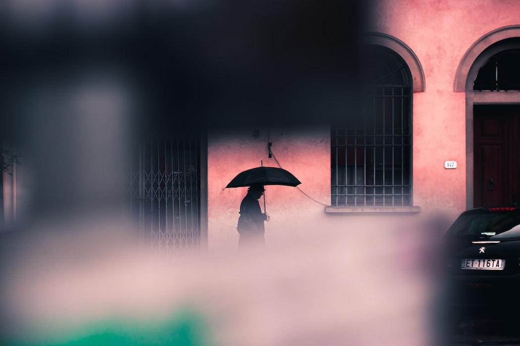 面對你心中的催狂魔:「自責」的殺傷力 - 失戀花園|周慕姿 心理師