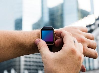 gold aluminum case Apple Watch
