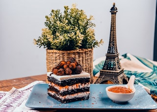 cake and Eiffel Tower miniature