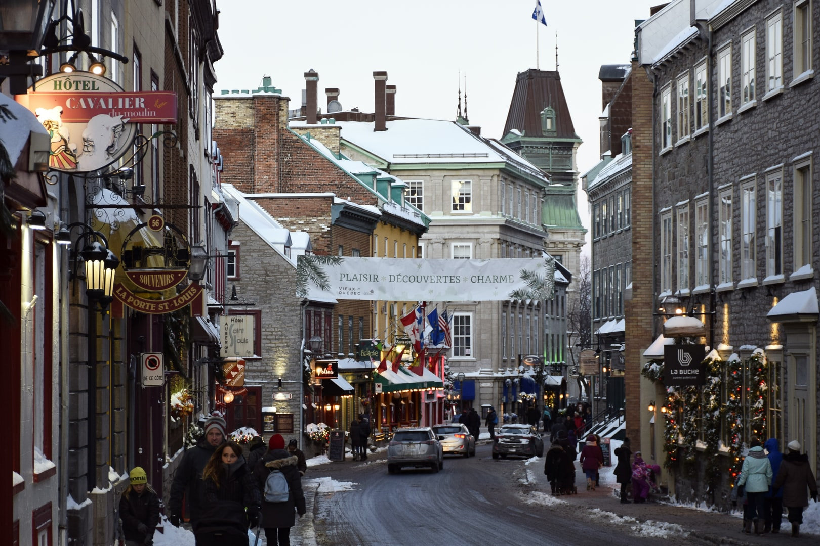 Quebec streets at Christmas time