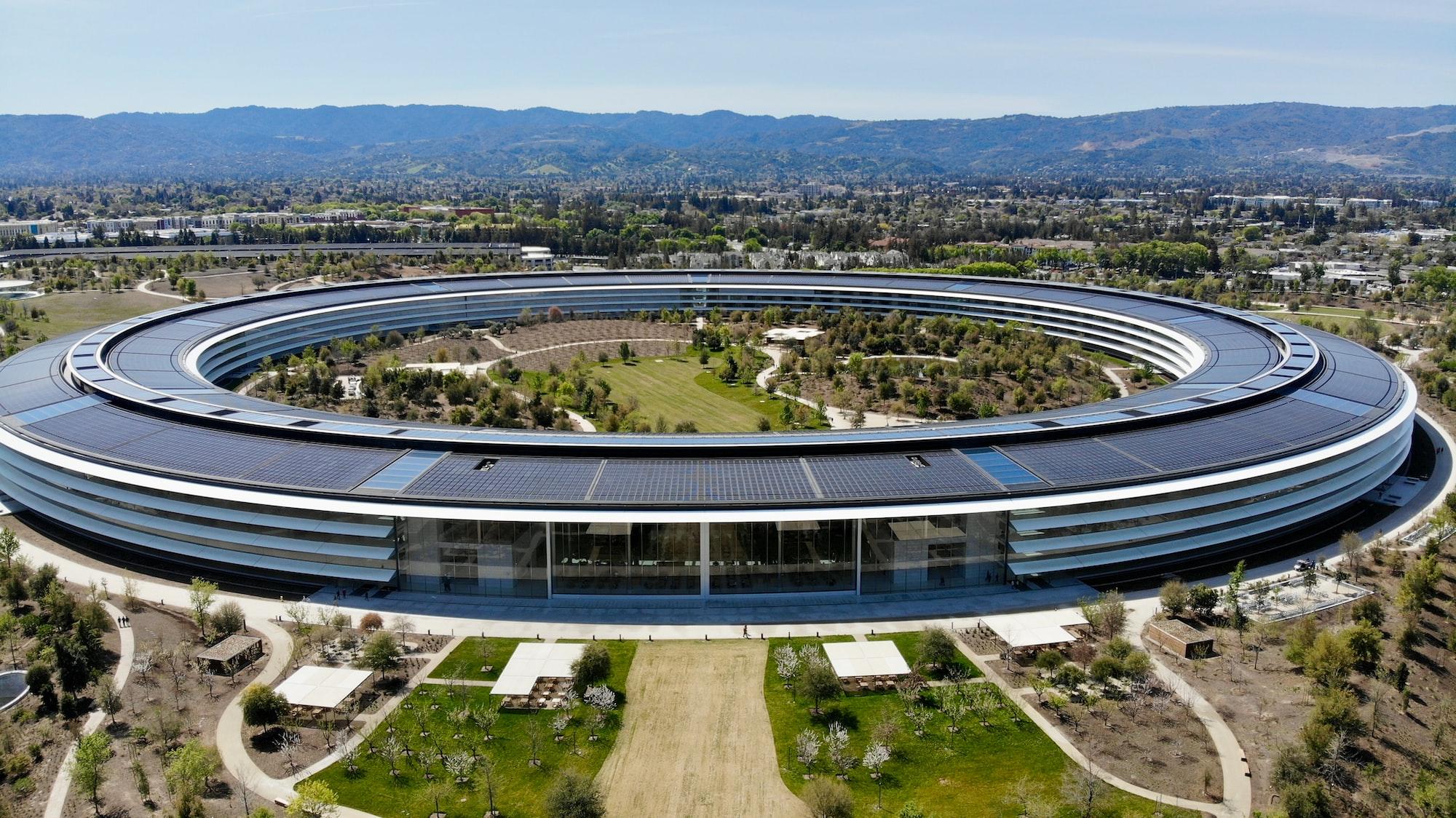 Тим Кук сообщил, что возвращение сотрудников в Apple Park перенесено на октябрь