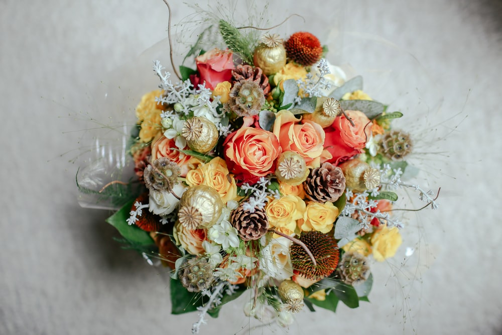 peach and white flower bouquet