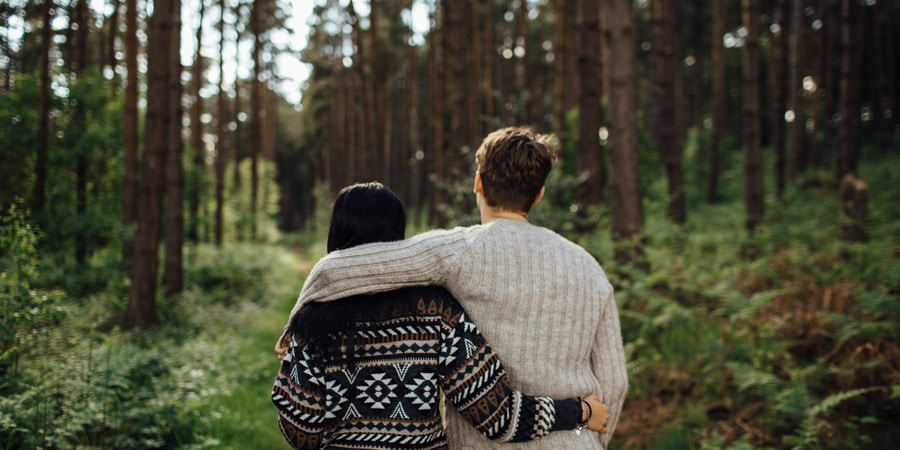 6 Ways To Be A Better Partner When You Have An Anxious Attachment Style