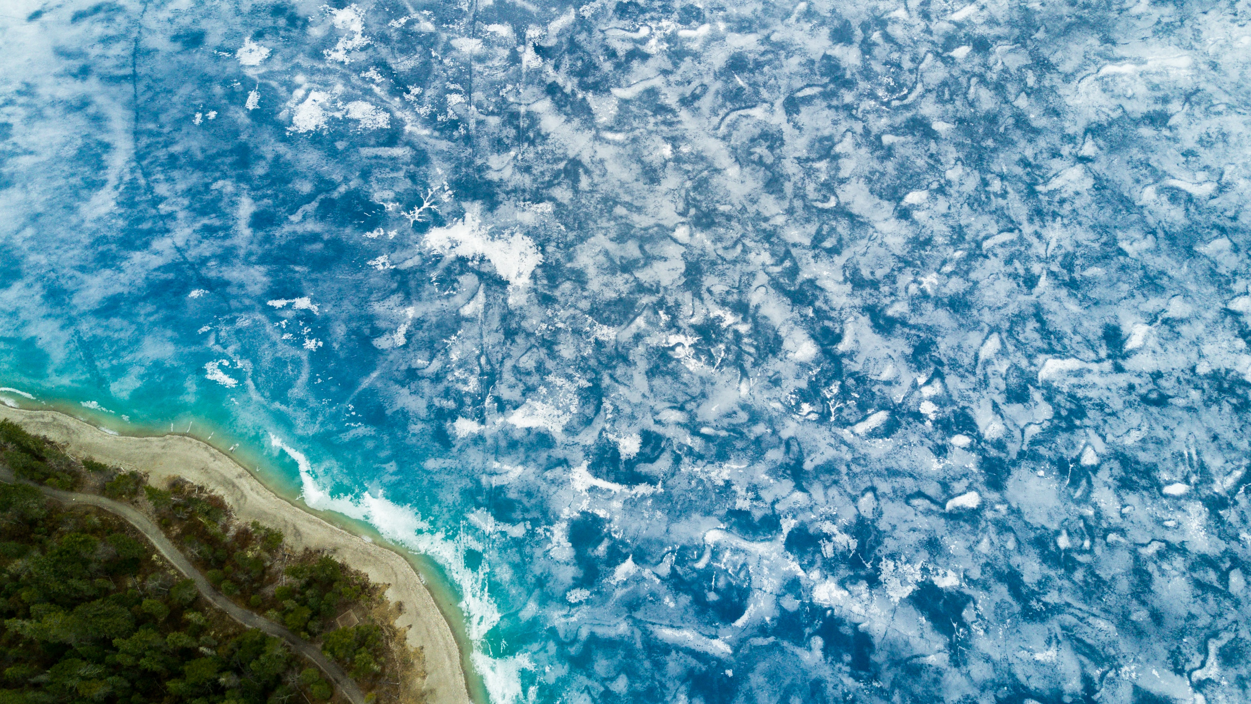 bird's-eye view photography of island and ocean