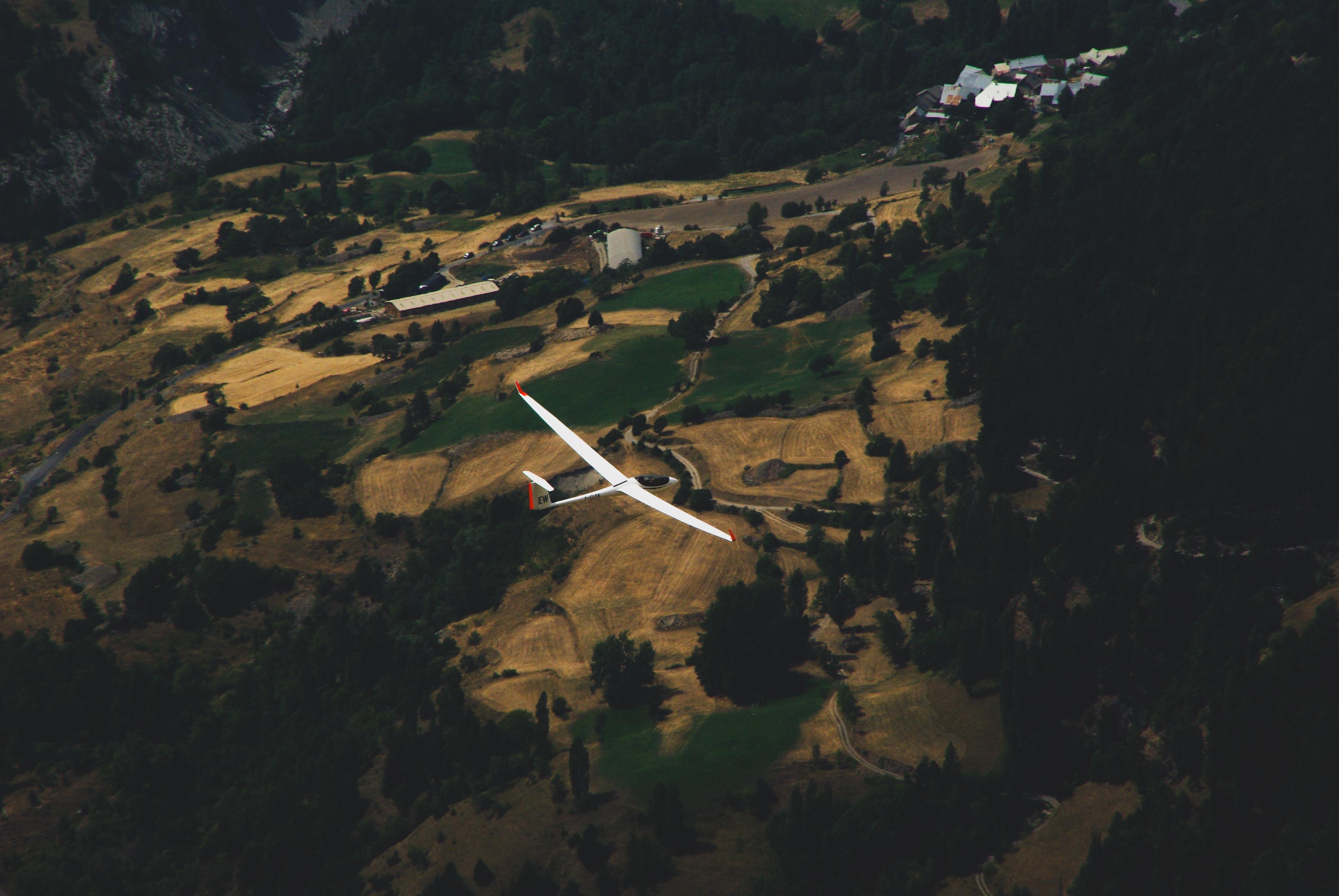 monoplane on midair
