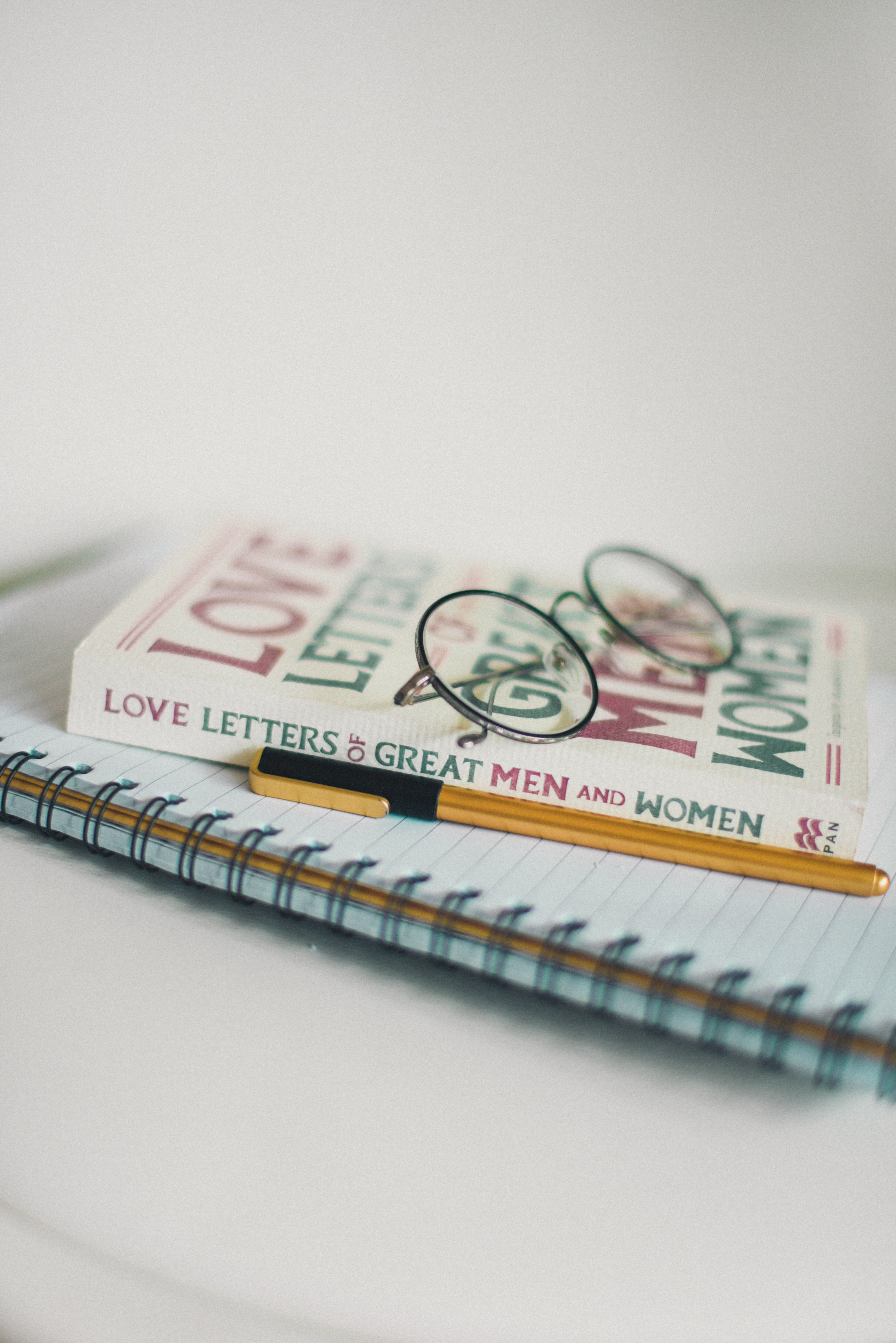 shallow focus photography of Love Letters of Great Men and Women book