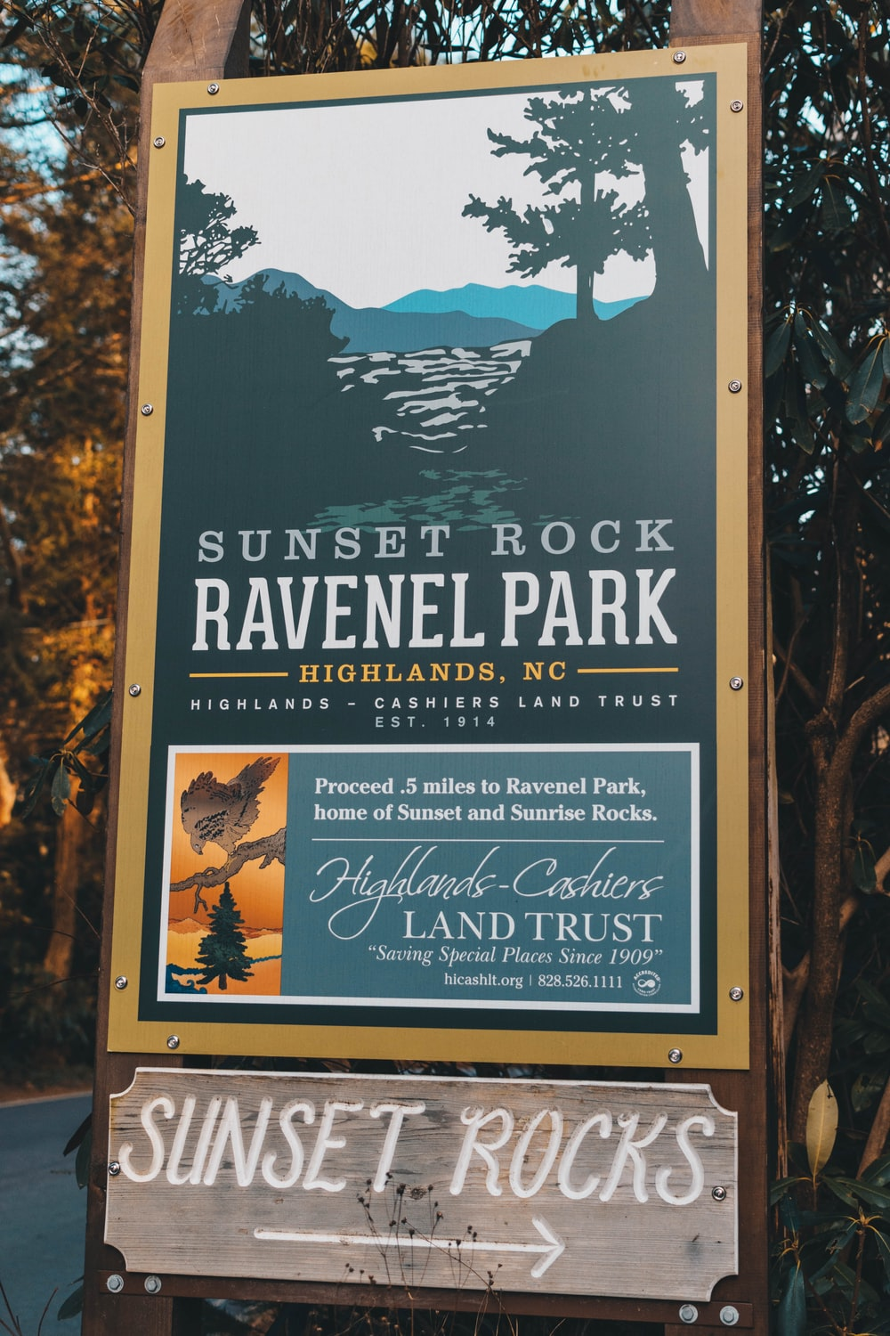 Sunset Rock Raveniel park wooden signage