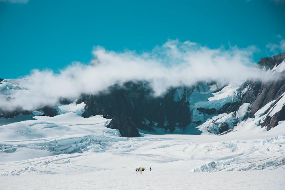 snow mountain under blue sky