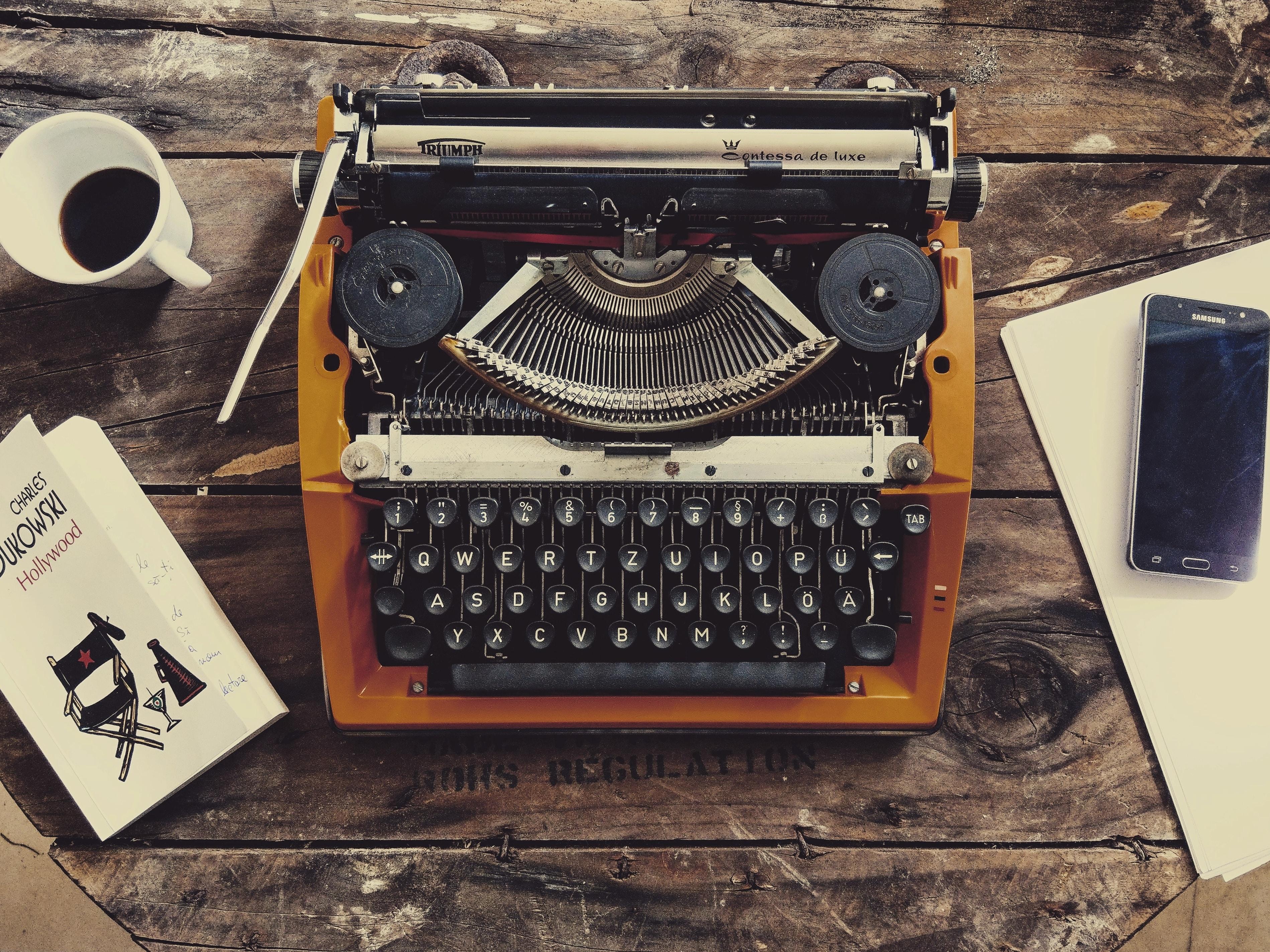 brown and black typewriter