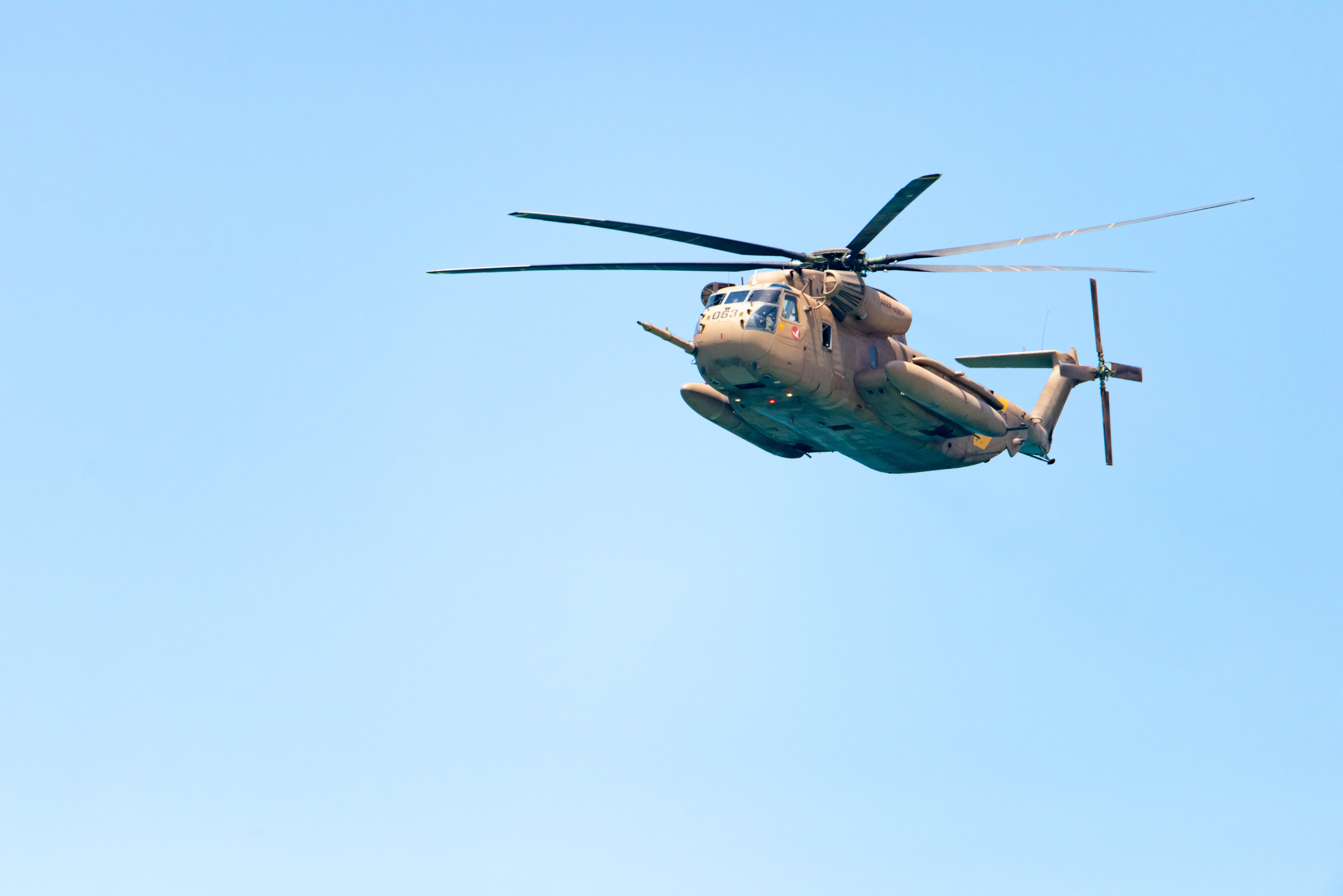 gray and brown helicopter