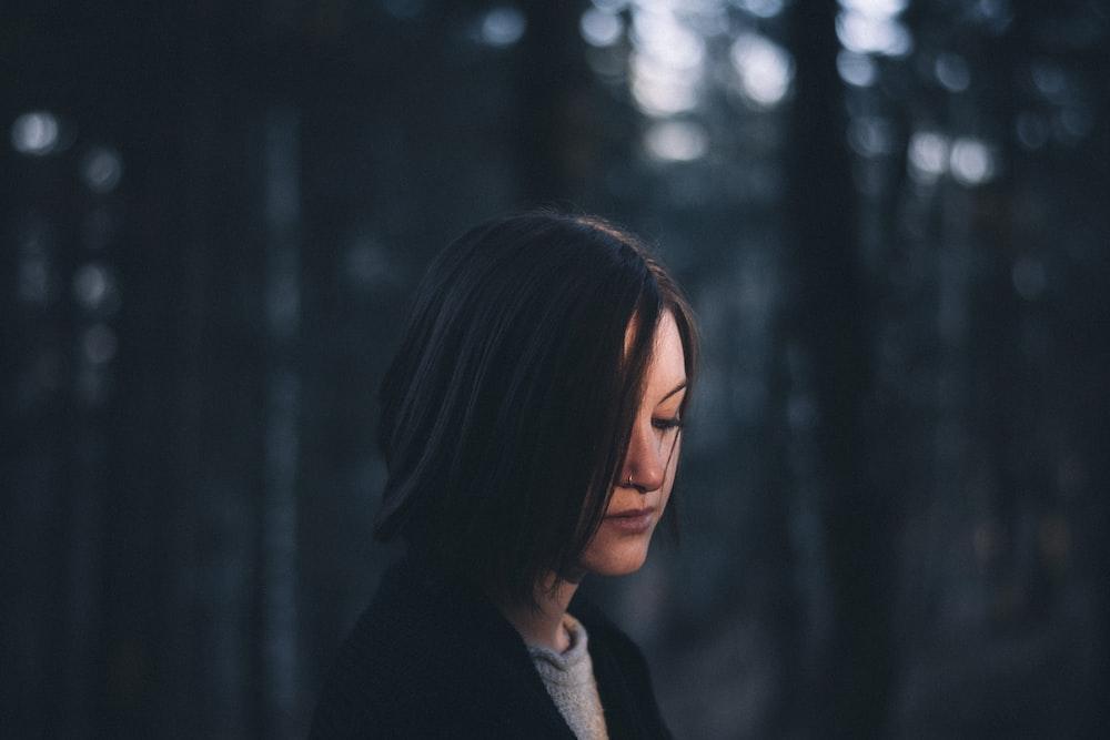 woman wearing black top
