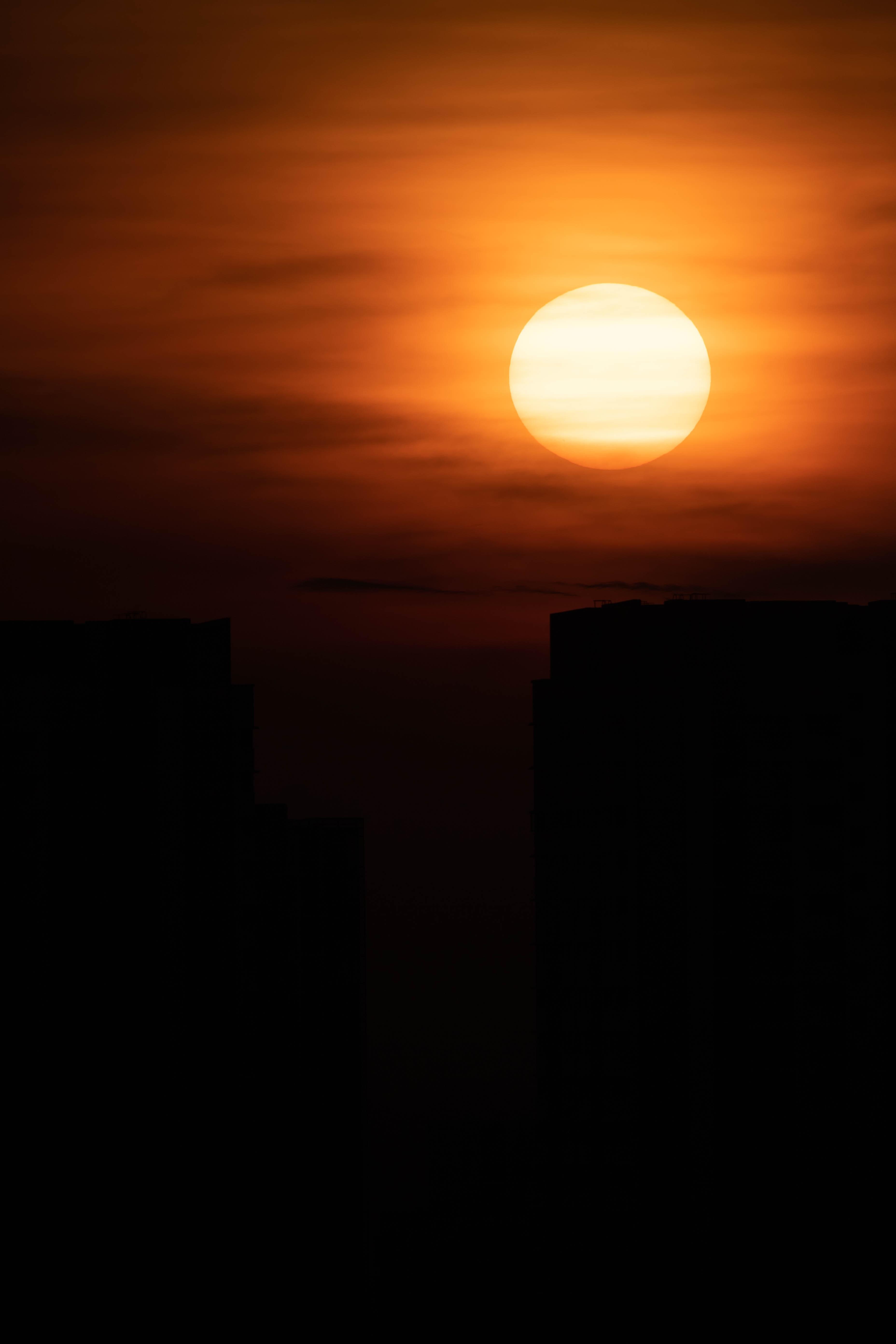 sun during golden hour