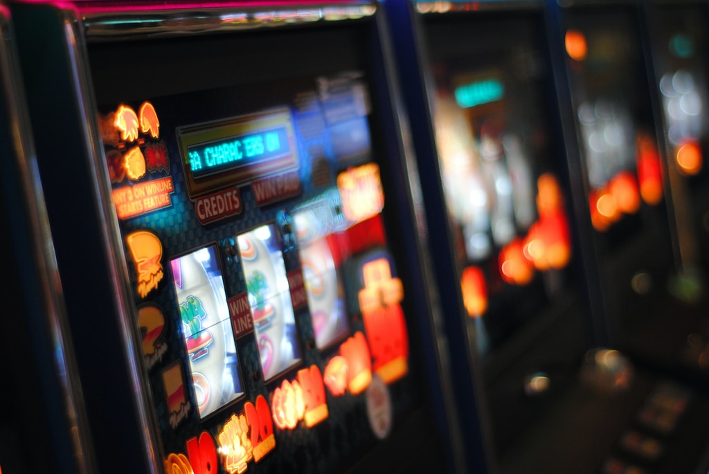 Can Players win money with small slots bets
