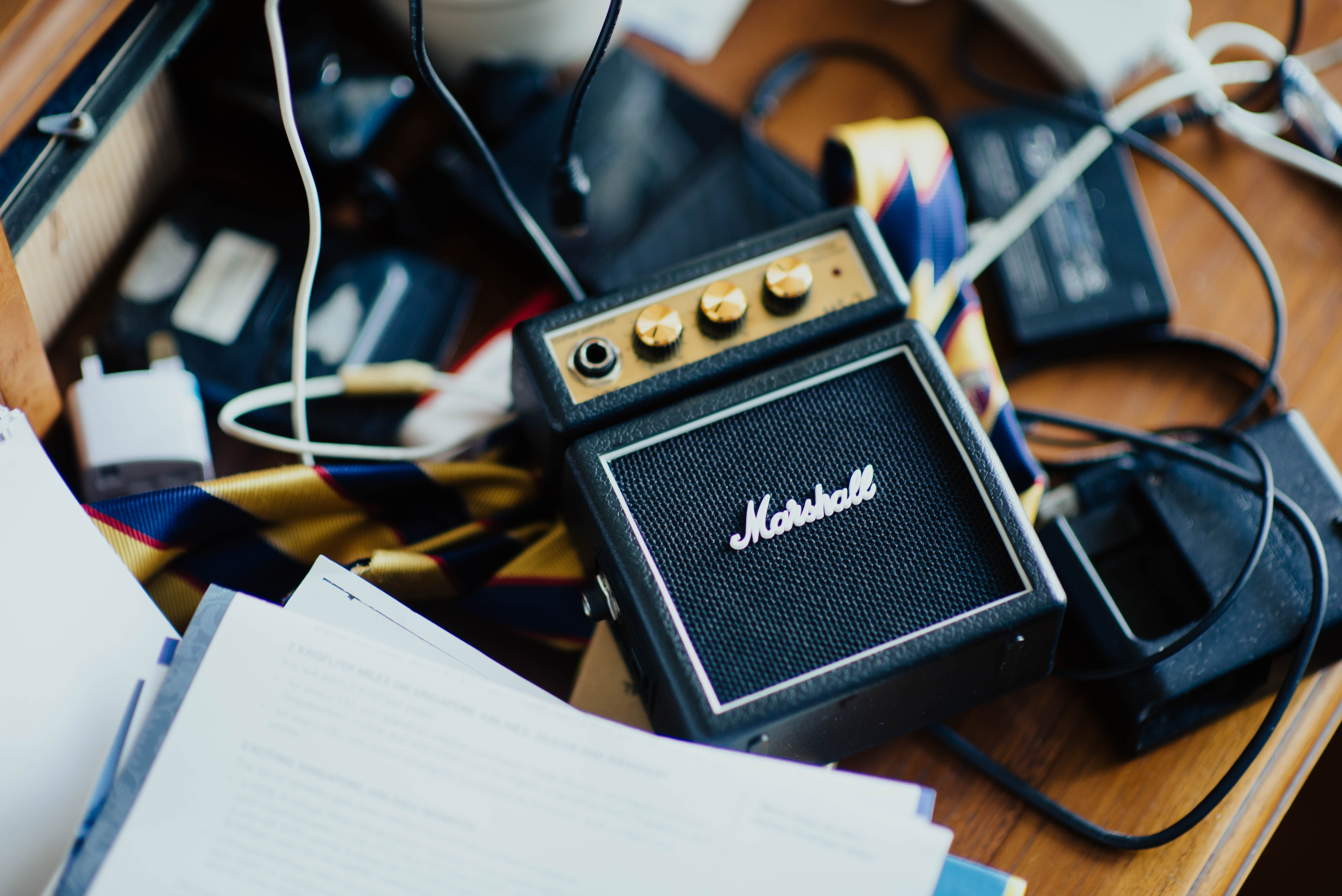 shallow focus photography of Marshall guitar amplifier