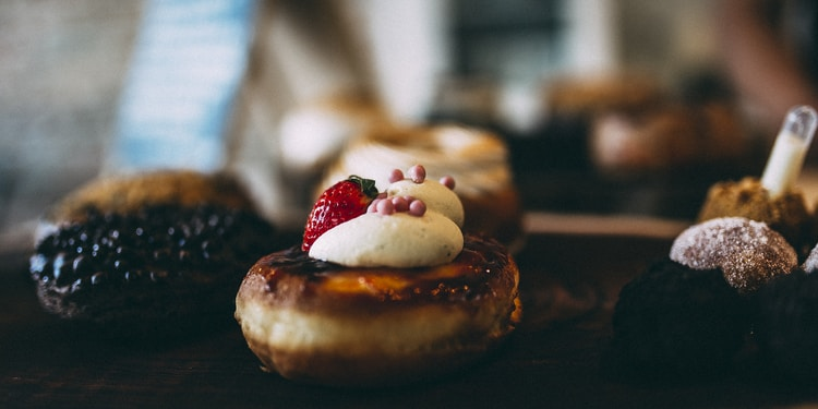 closeup photo of cookies