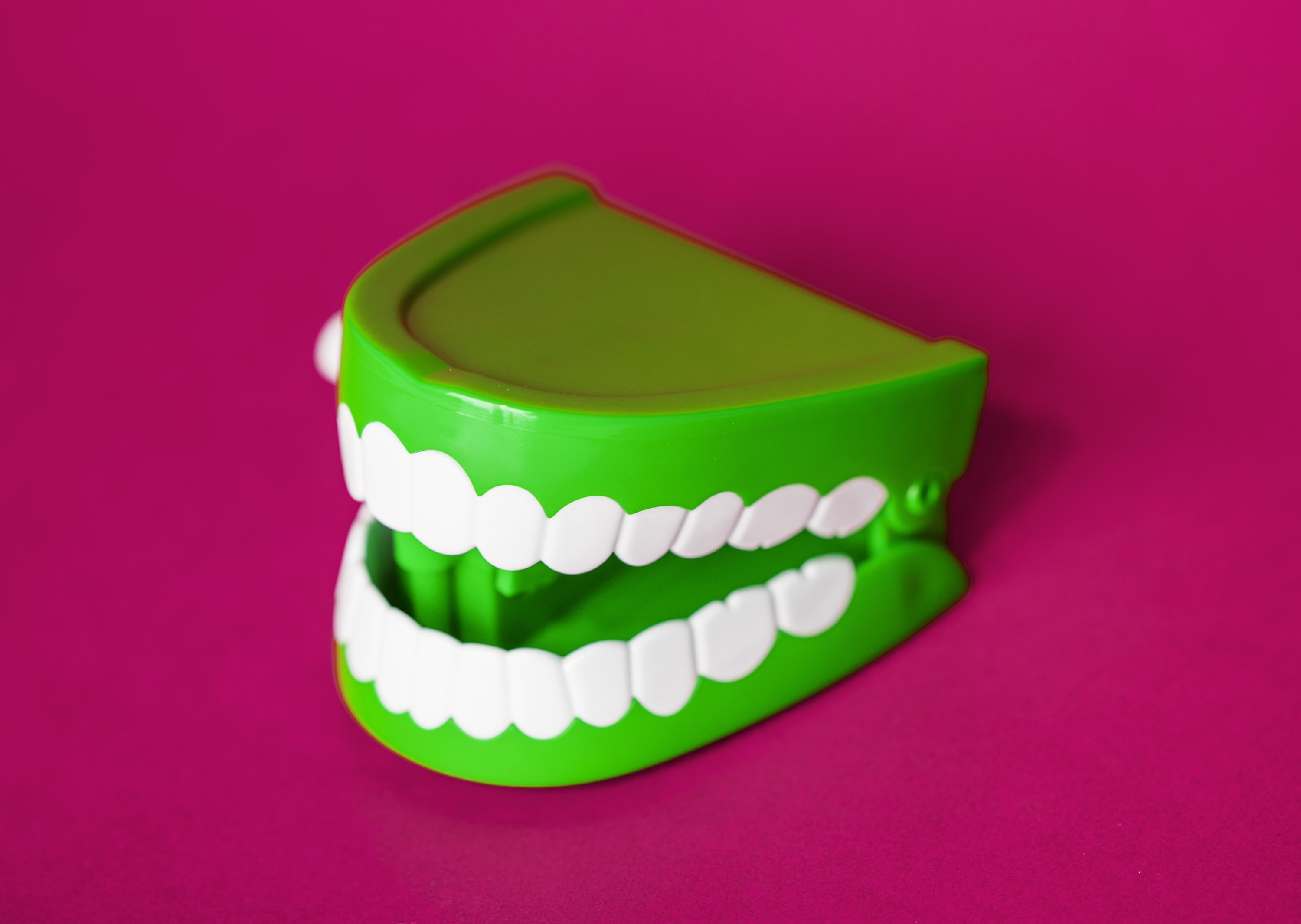 green denture toy
