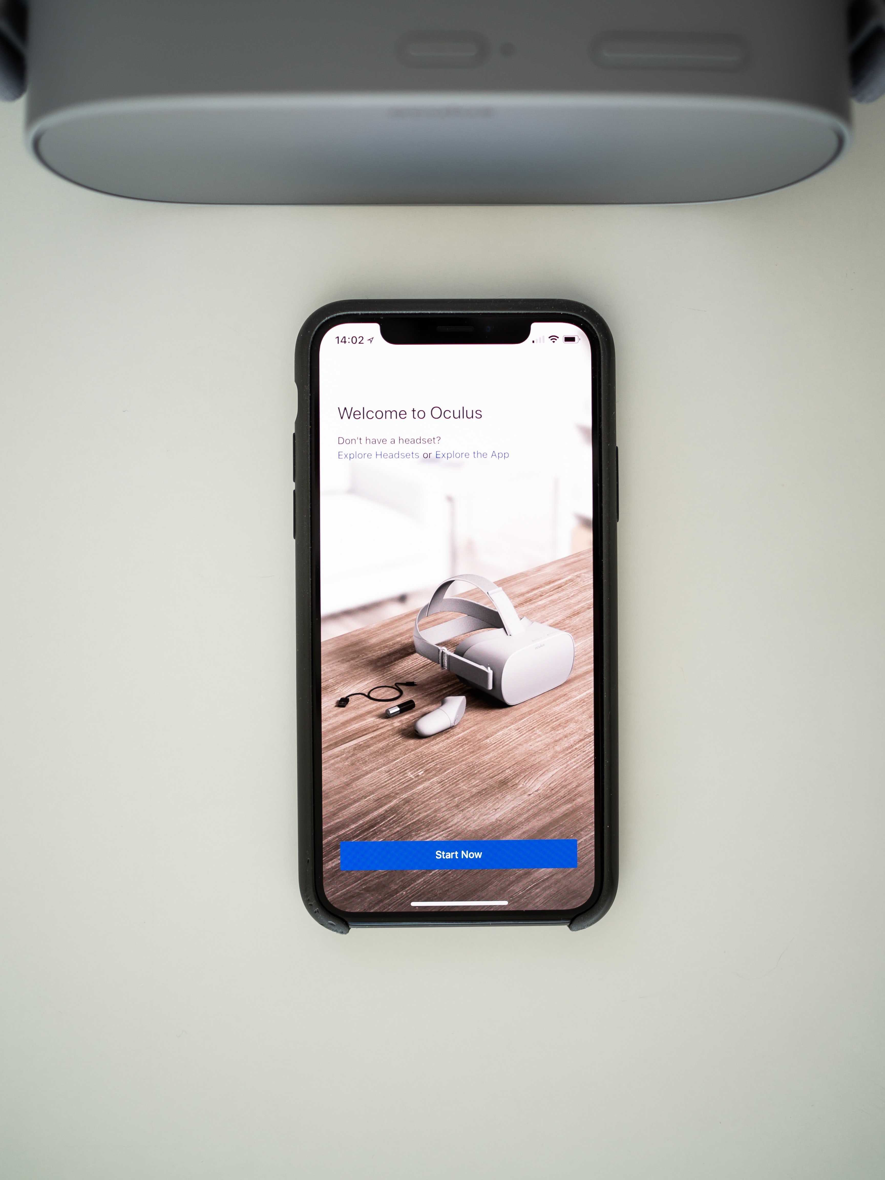 iPhone displaying Welcome to Oculus