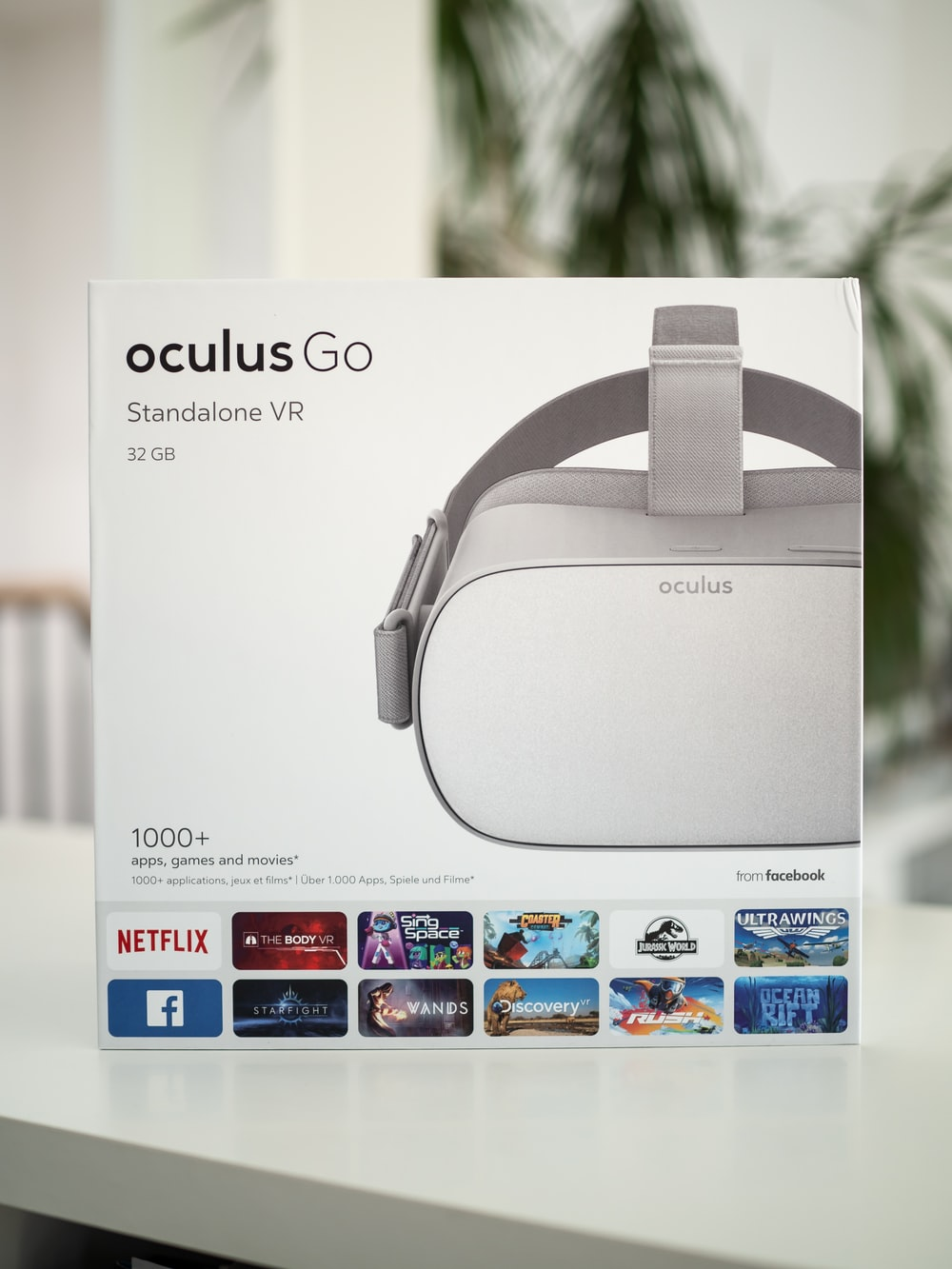 silver Oculus Go headset box