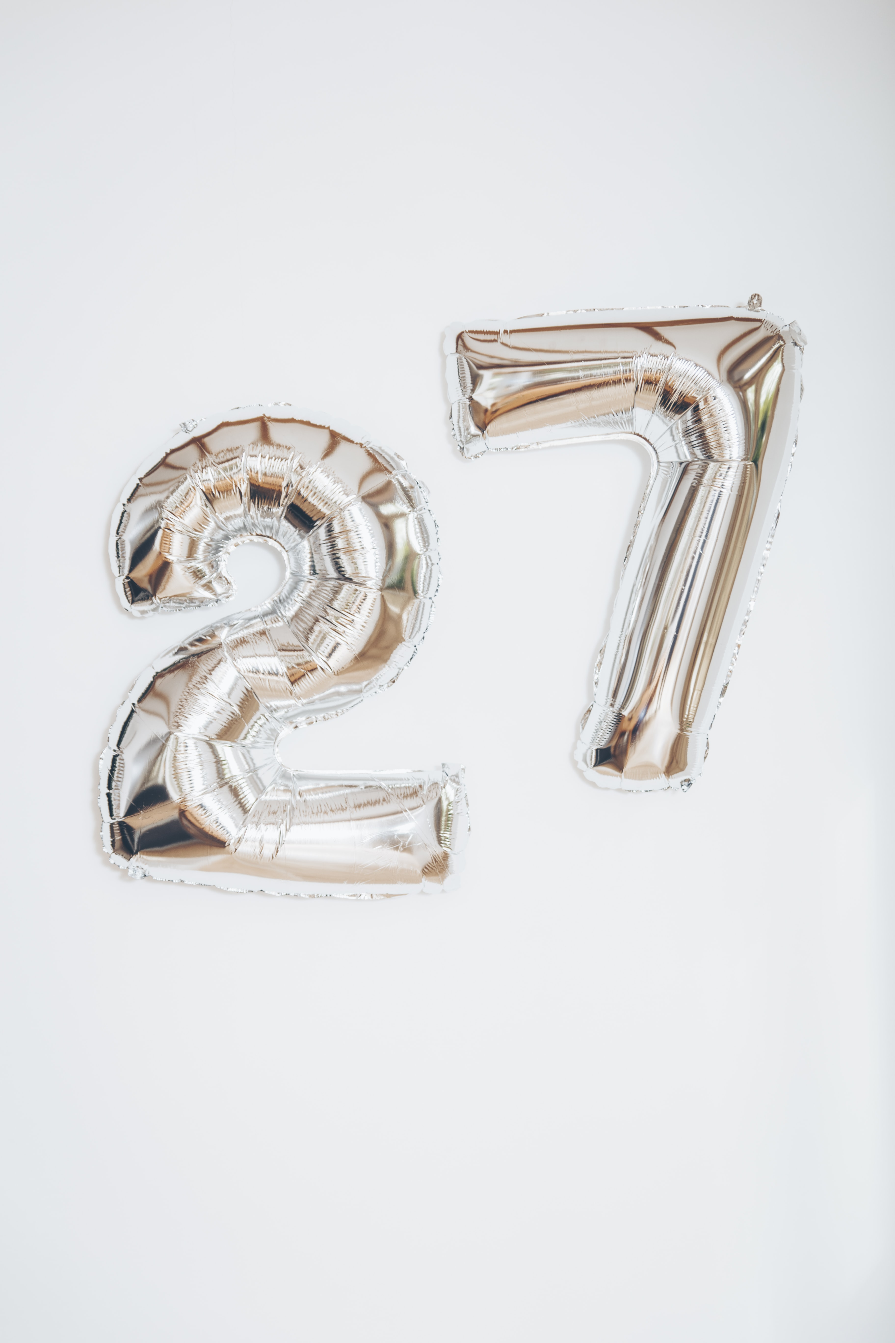 gold 27 balloon