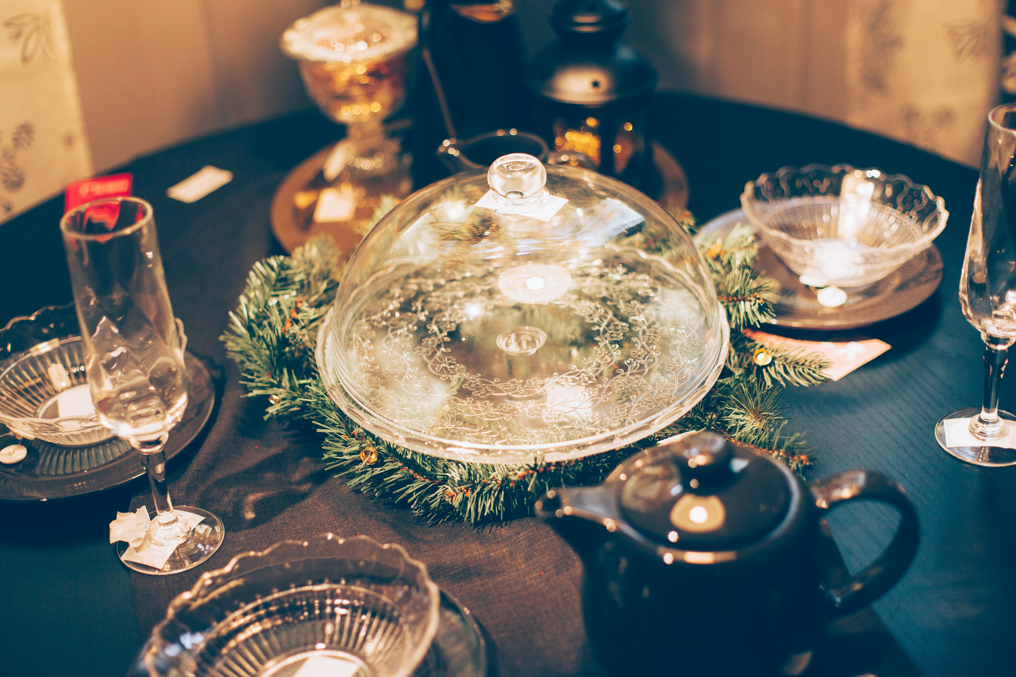 clear glass bowls on table
