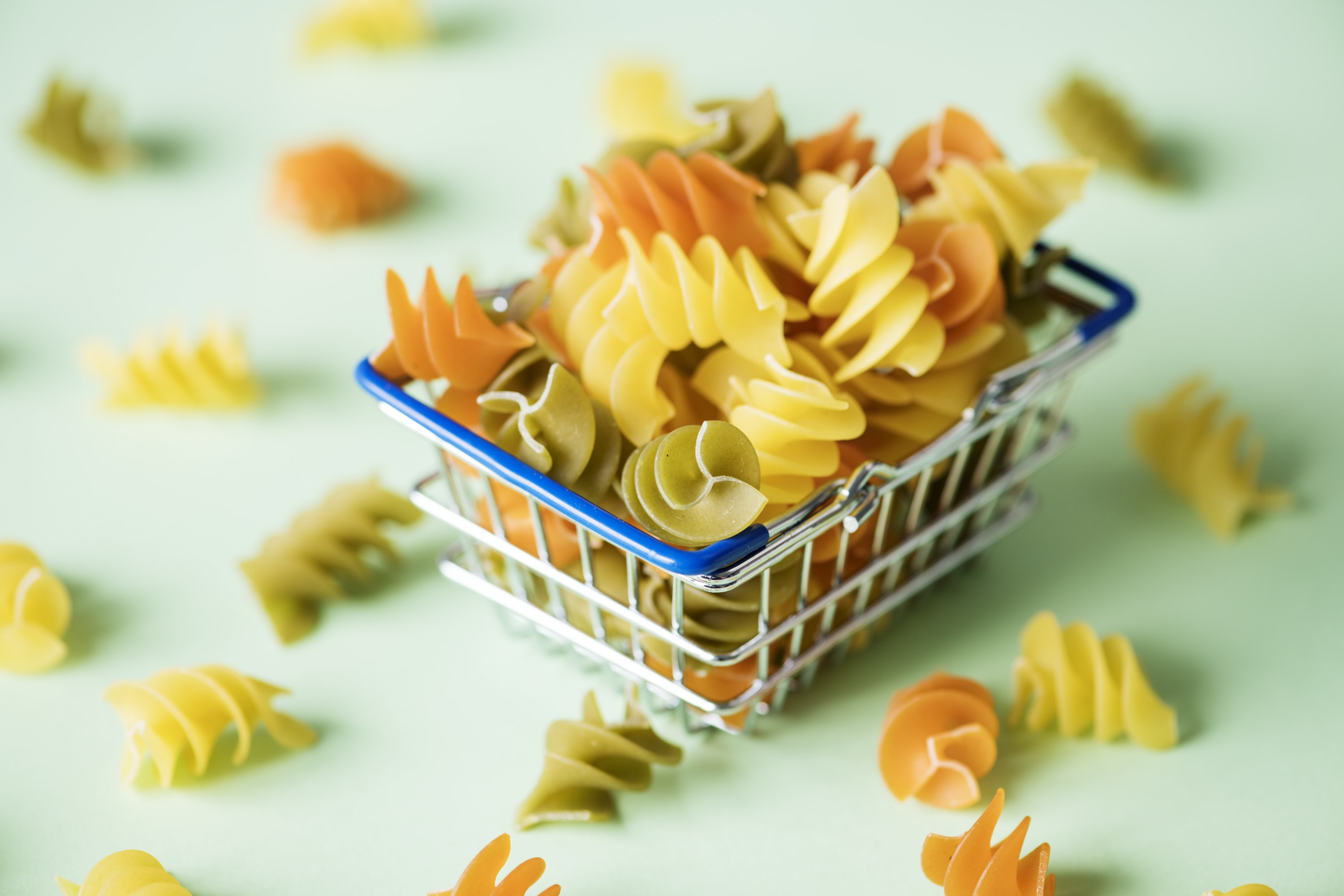 focus photography of baked mac on cart