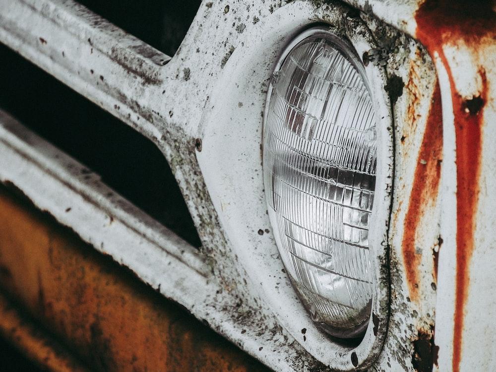closeup photo of car headlight