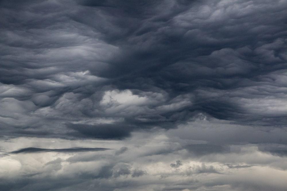 gray clouds digital wallpaper