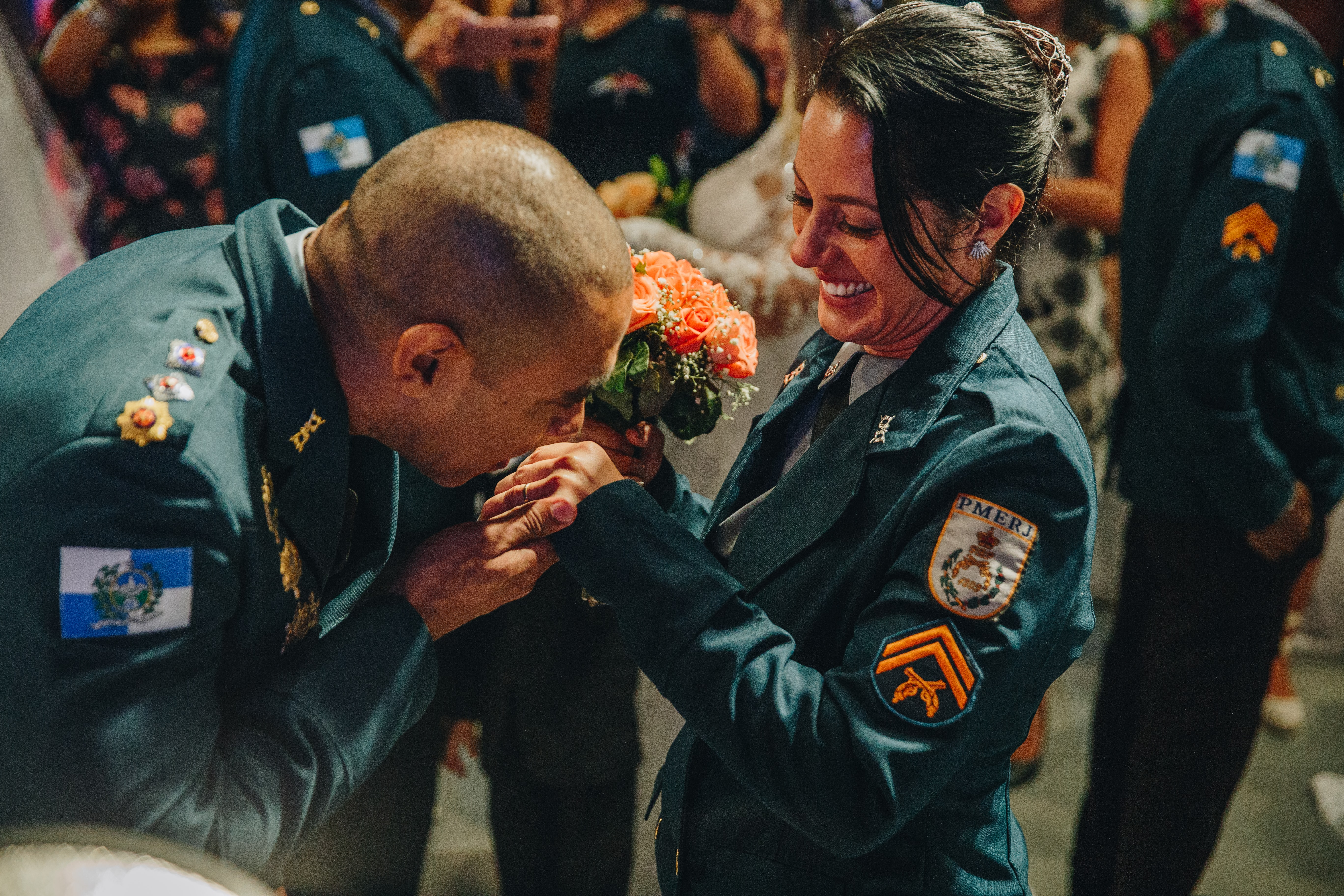 man giving flower bouquet to a woman
