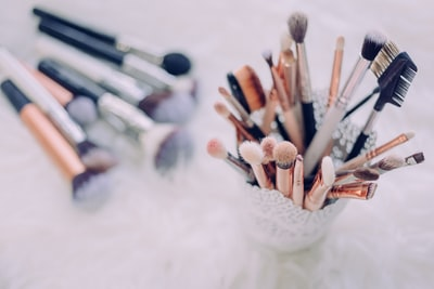 makeup brush lot beauty zoom background