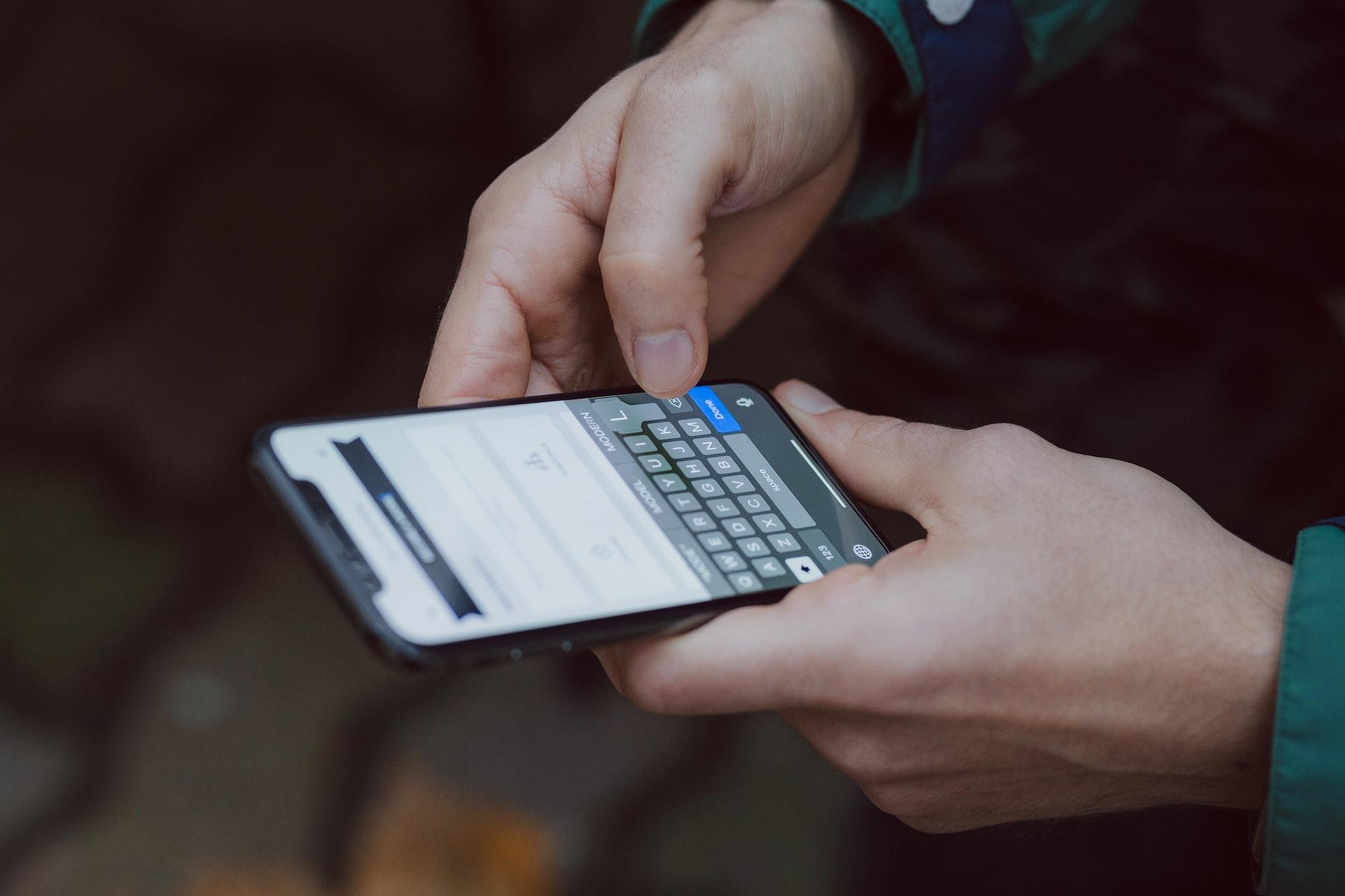 Conhece os truques para ser mais rápido e eficaz a escrever no iPhone