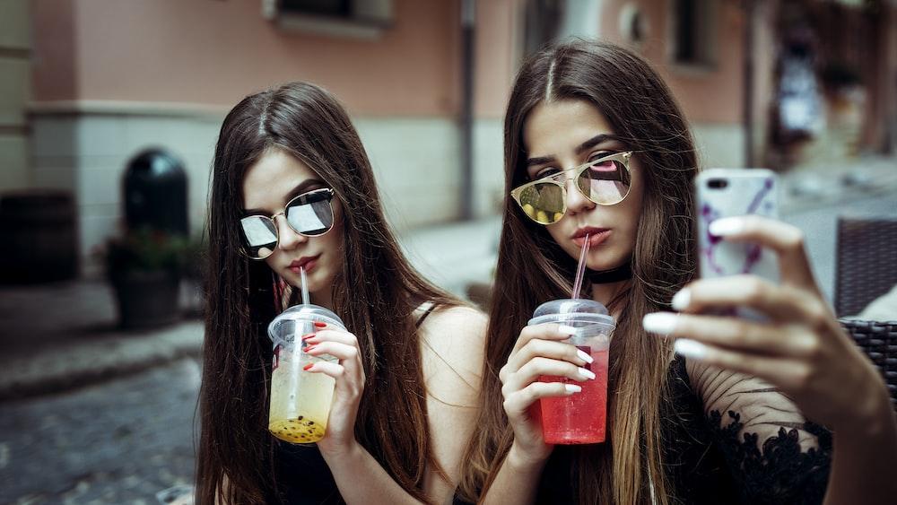 Download pretty teen girl