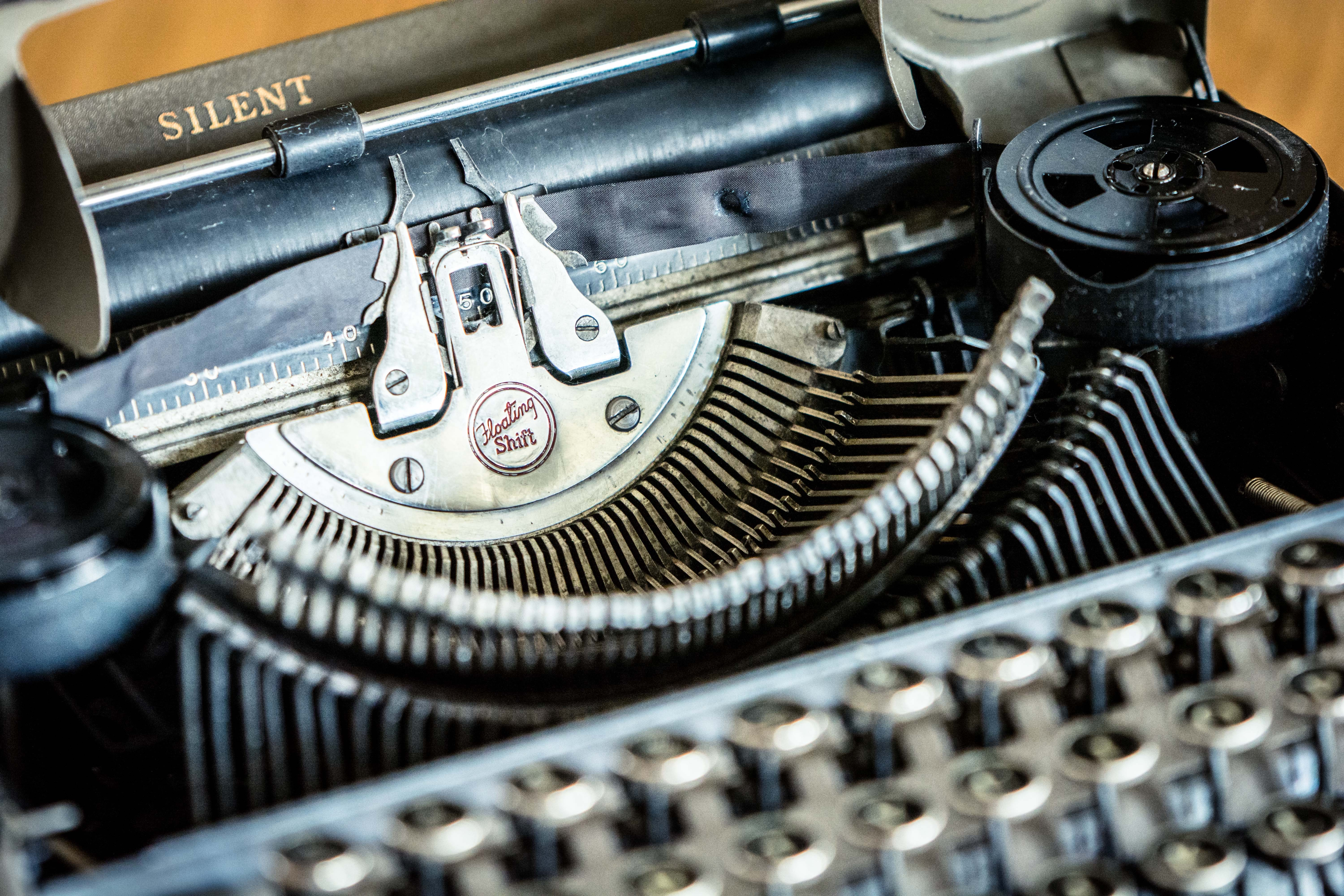 shallow focus photography of vintage typewriter