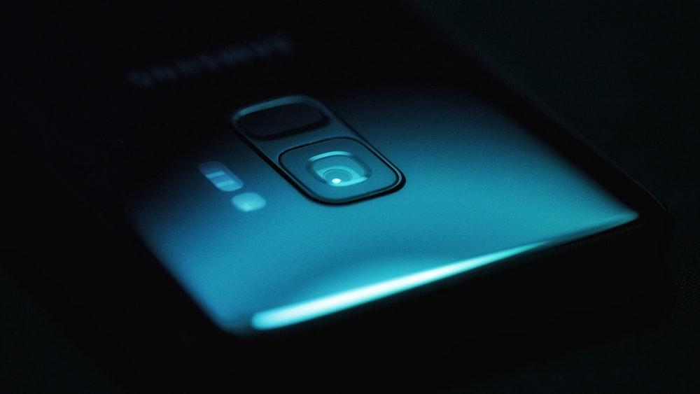 closeup photo of smartphone