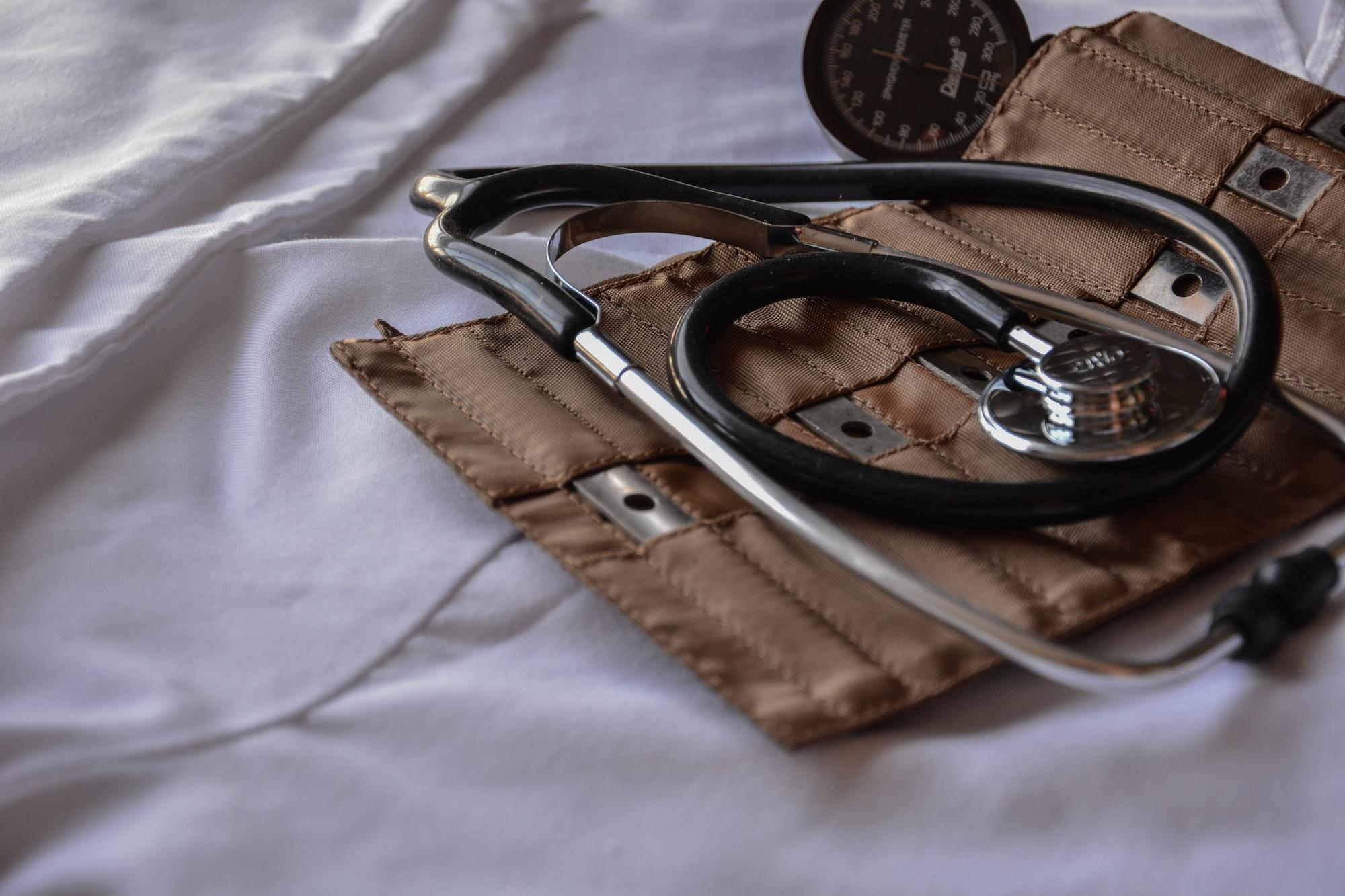 Quale simbolo per la laurea in medicina mettere nelle bomboniere?