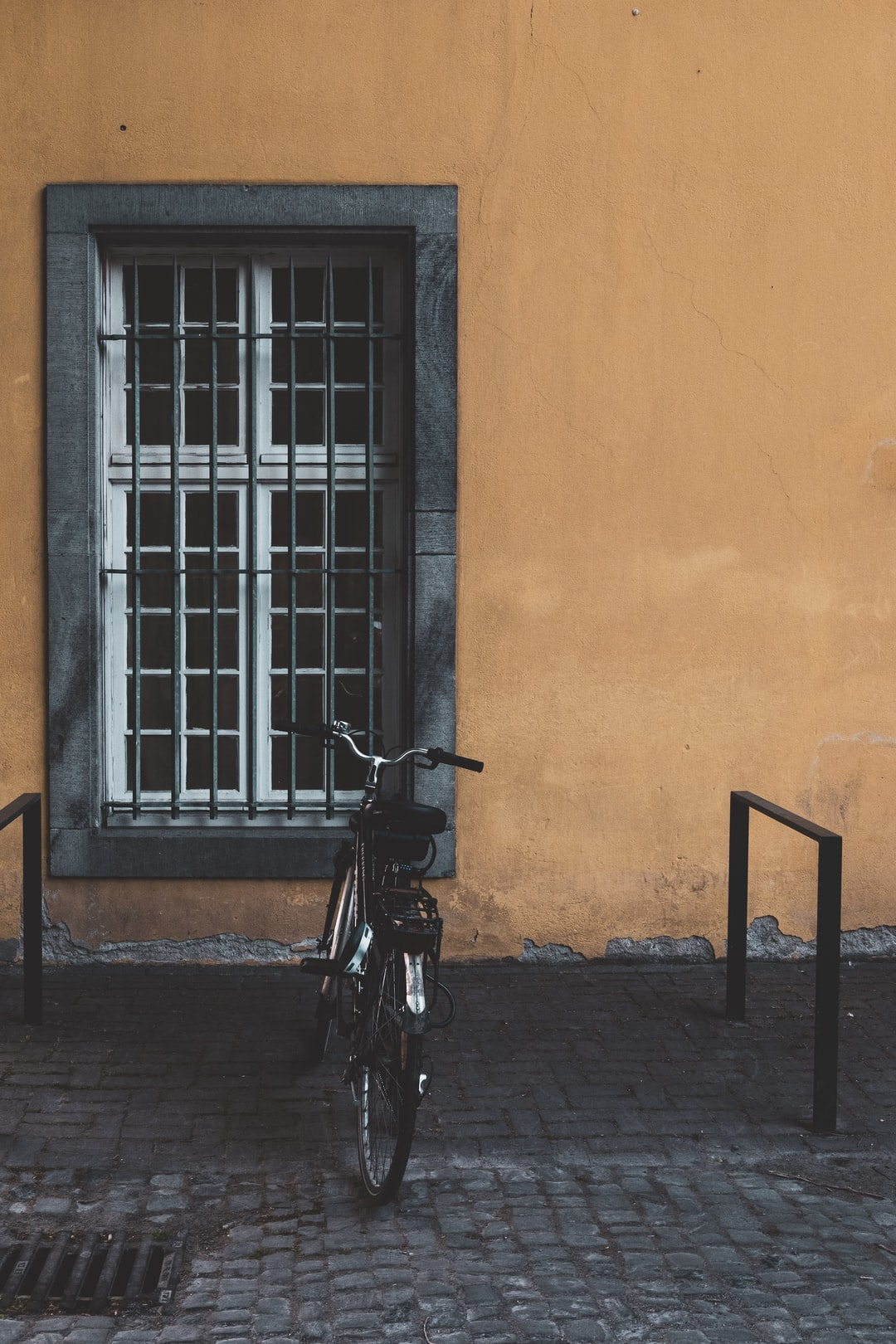Yellow Wall And The Bike