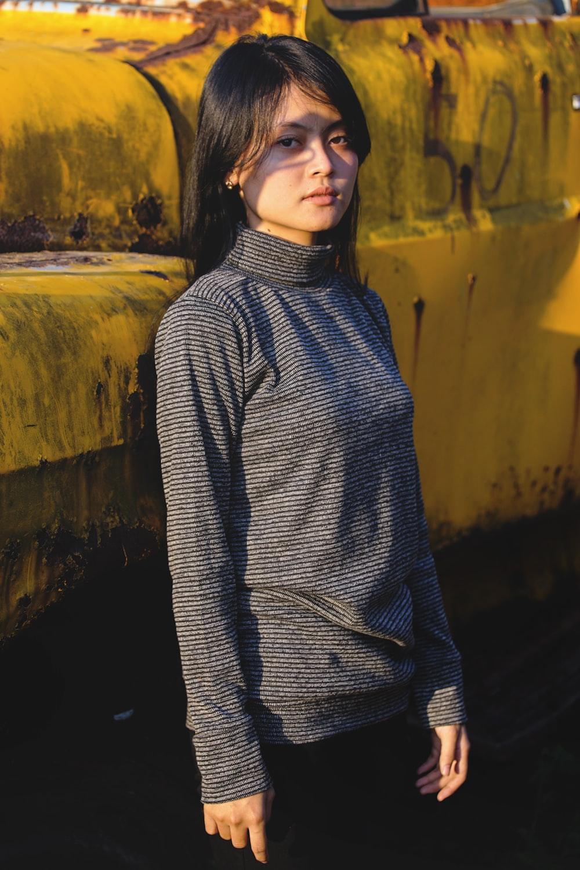 woman in black long-sleeved tee shirt