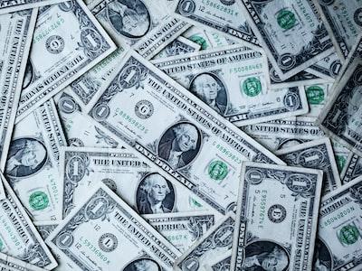 Il mare di miliardi iniettato dalle banche centrali spinge i mercati azionari