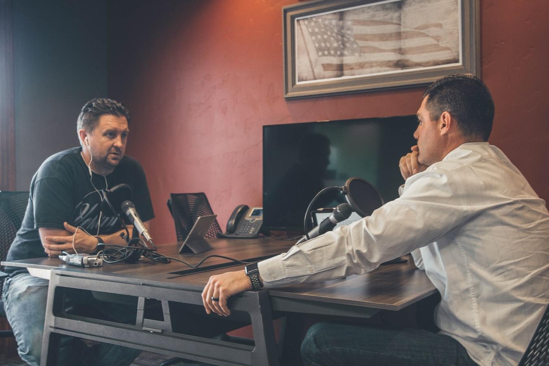 Podcast-Aufnahme, 2 Männer