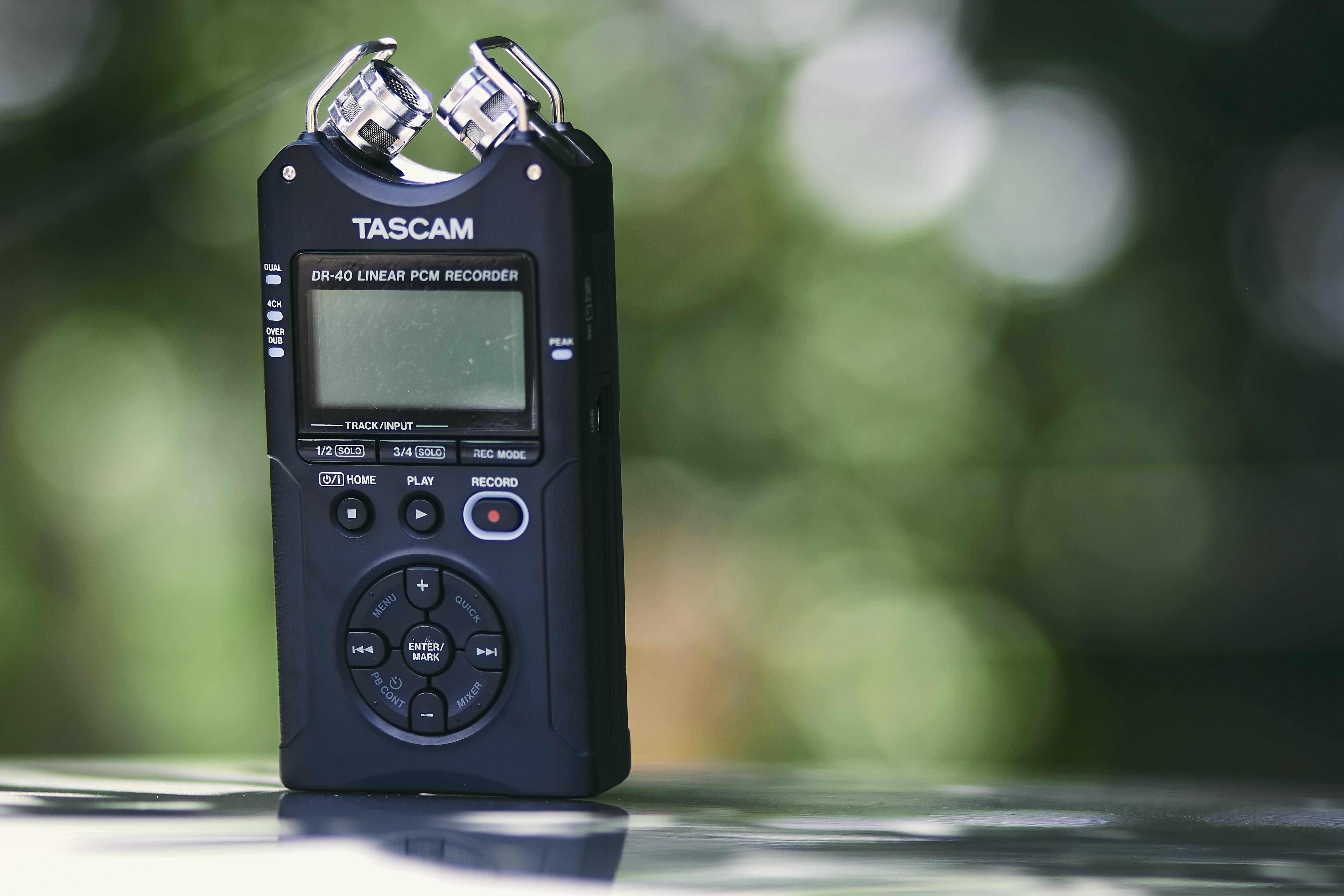 black Tasczam device