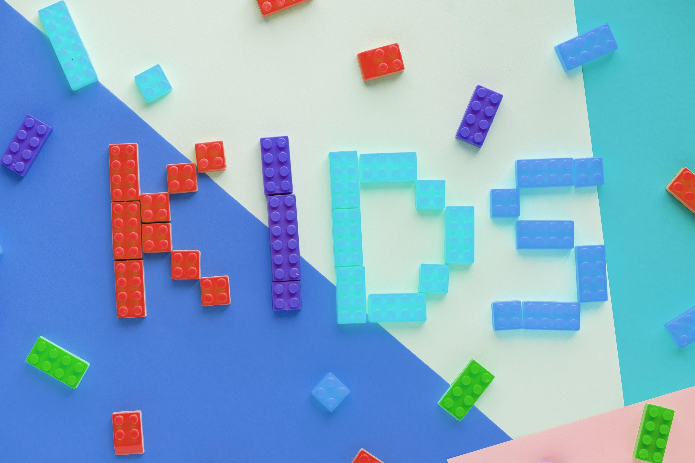 multicolored plastic block toys