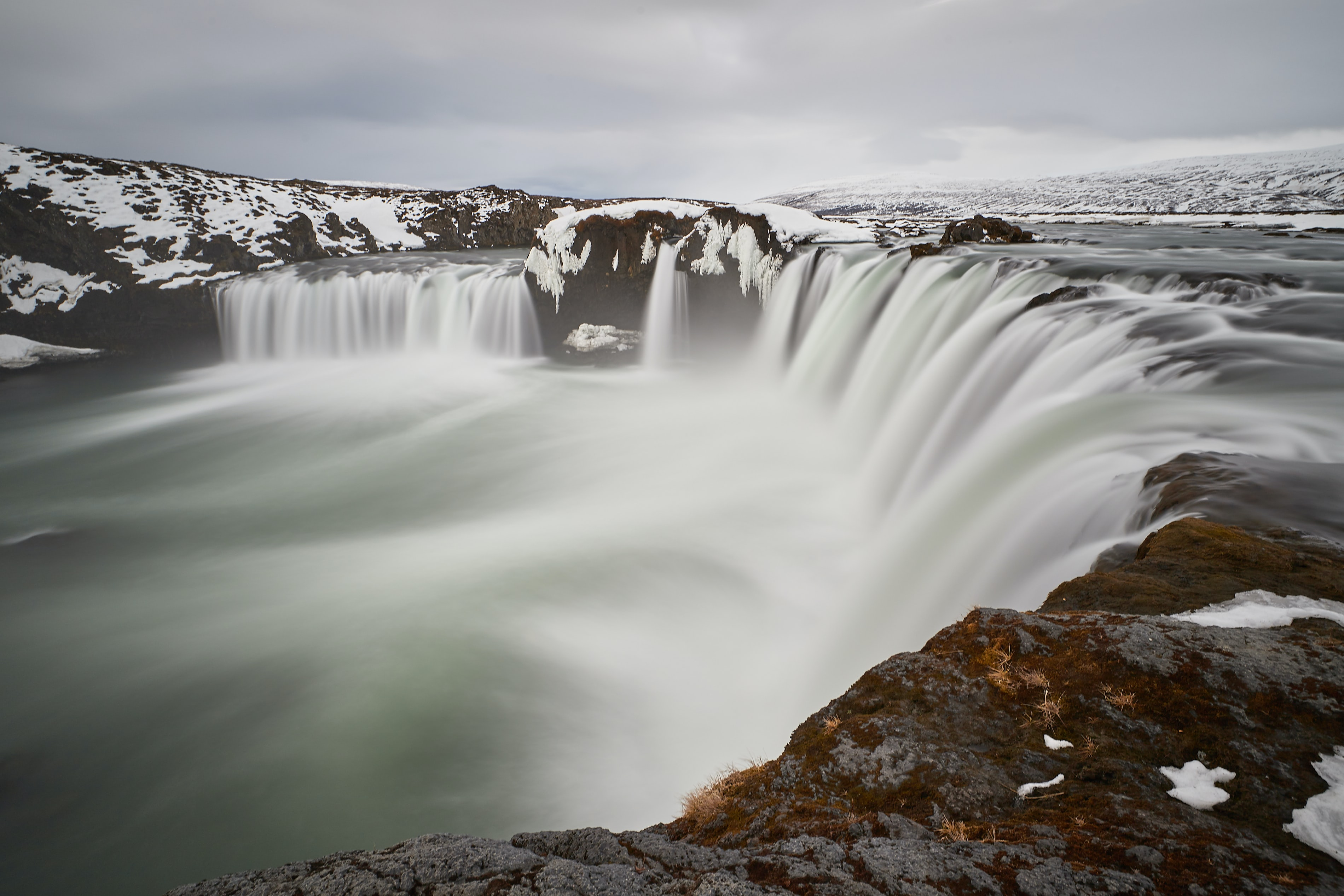 timelapse photography of waterfalls