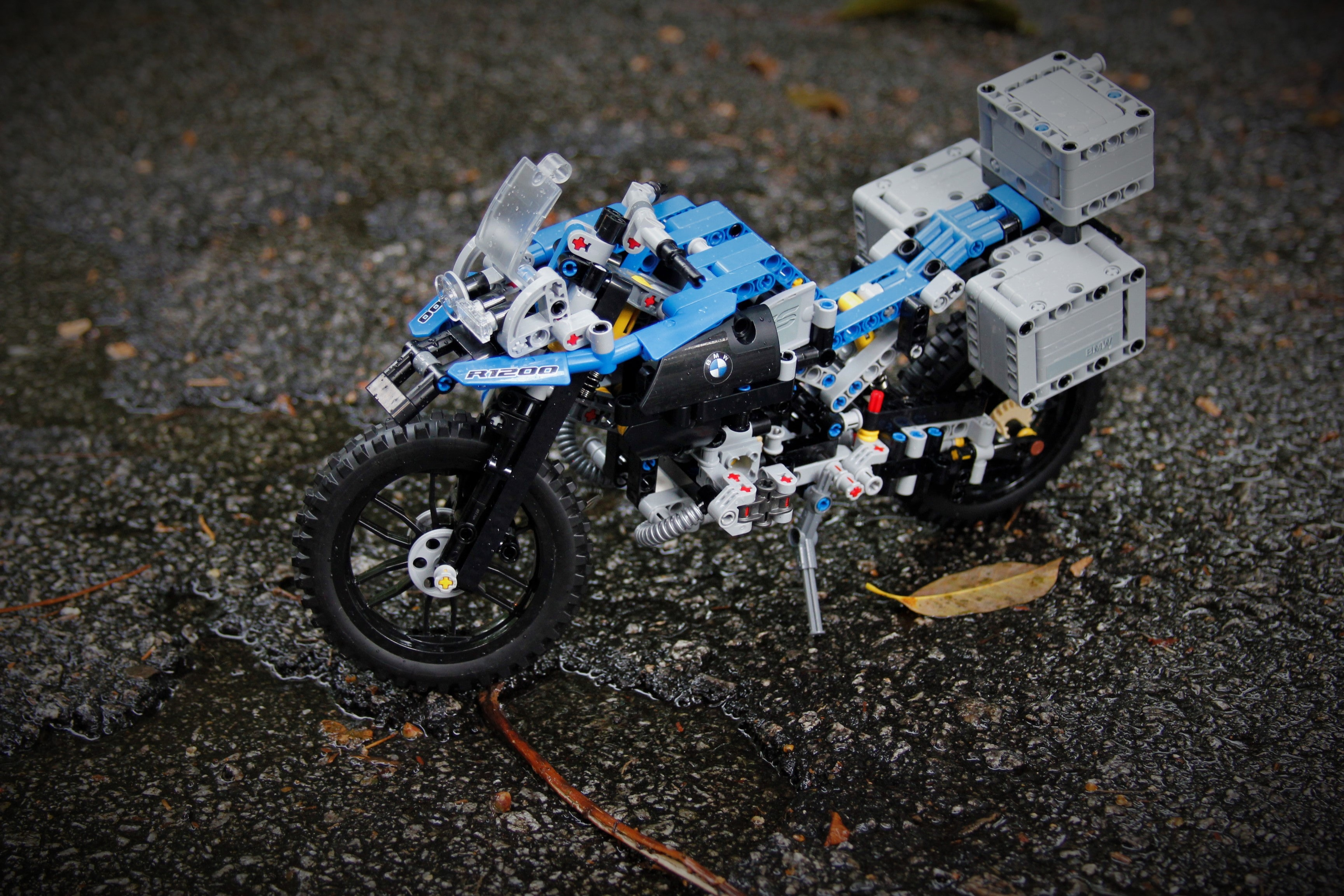 LEGO blue and gray motorcycle toy