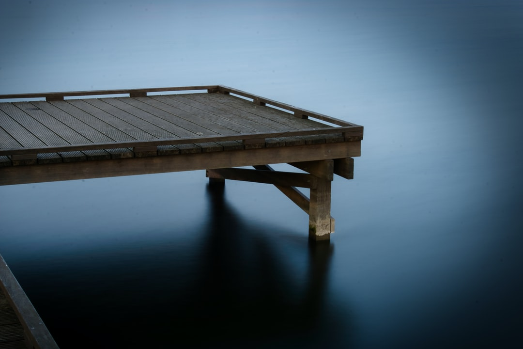 Trying some long exposure settings to get that nice and smooth silky water look. Discovered this wooden pier and decided to practise on this object.