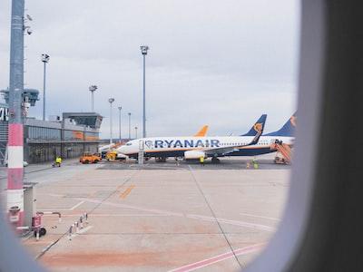 """Ryanair: il rimborso per i voli cancellati verrà fatto  """"a tempo debito, non appena la crisi sara' passata"""""""