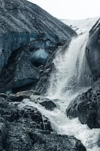 𝖂𝖆𝖙𝖊𝖗𝖋𝖆𝖑𝖑 𝖔𝖋 𝕰𝖒𝖔𝖙𝖎𝖔𝖓𝖘 waterfall stories