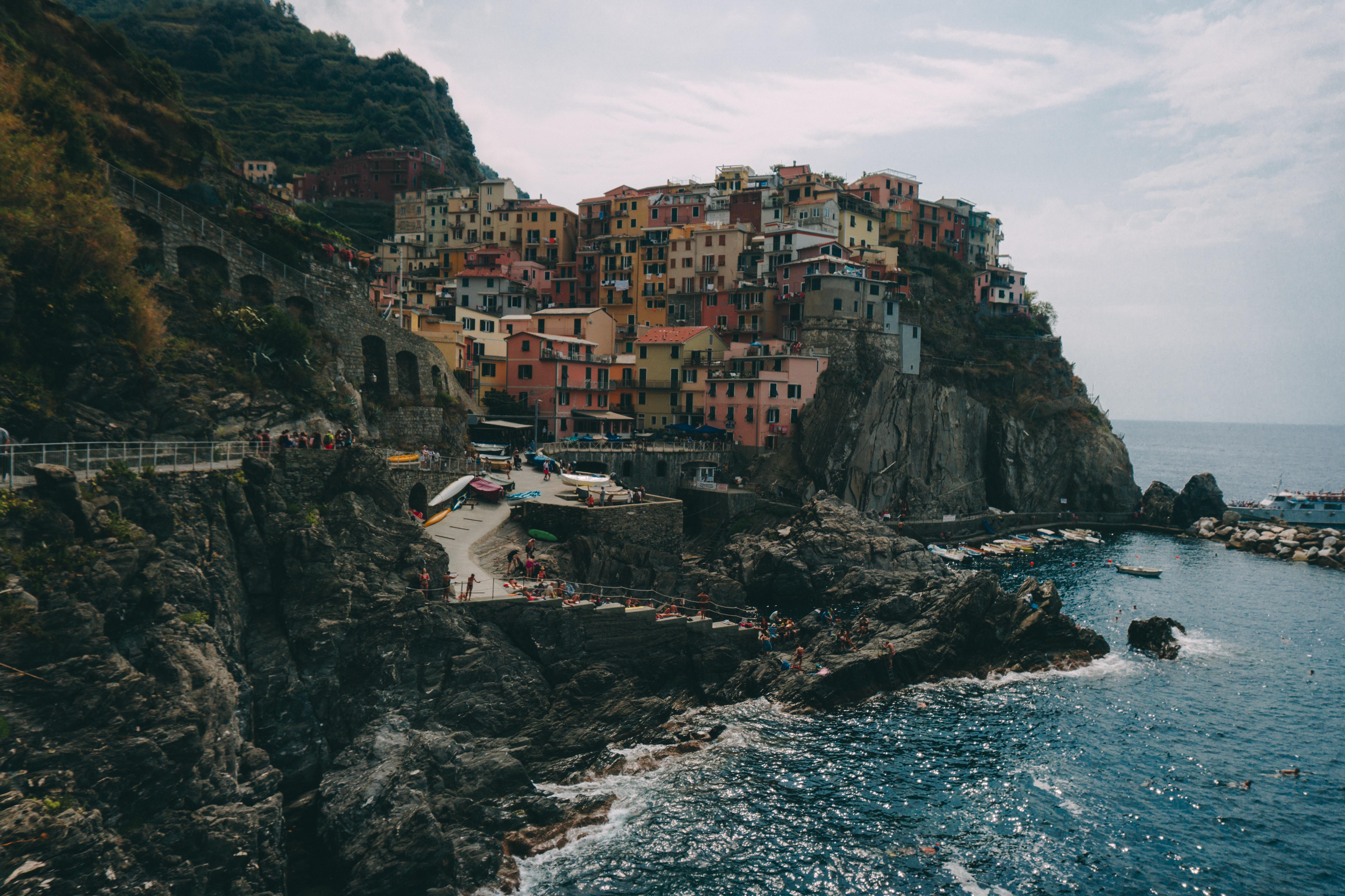 houses on mountain
