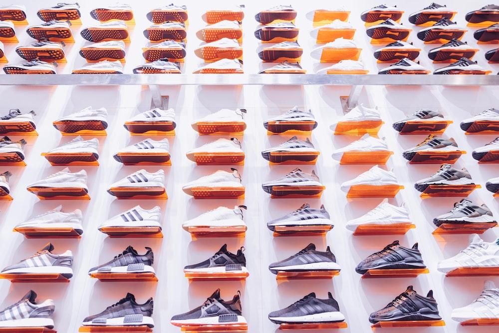 unpaired shoe lot